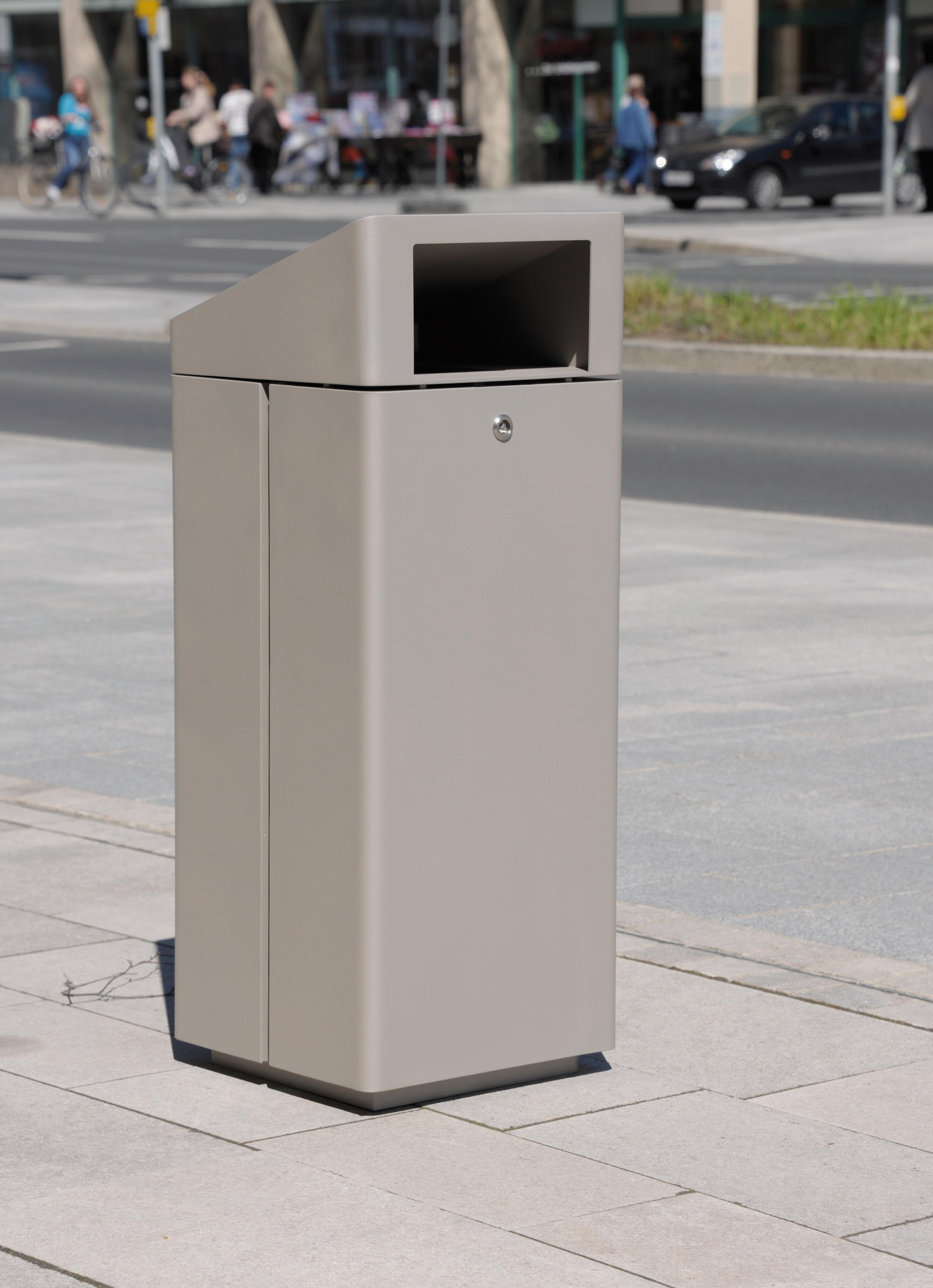 Litter bin 810 with and without ashtray cestini for Arredo urbano in inglese