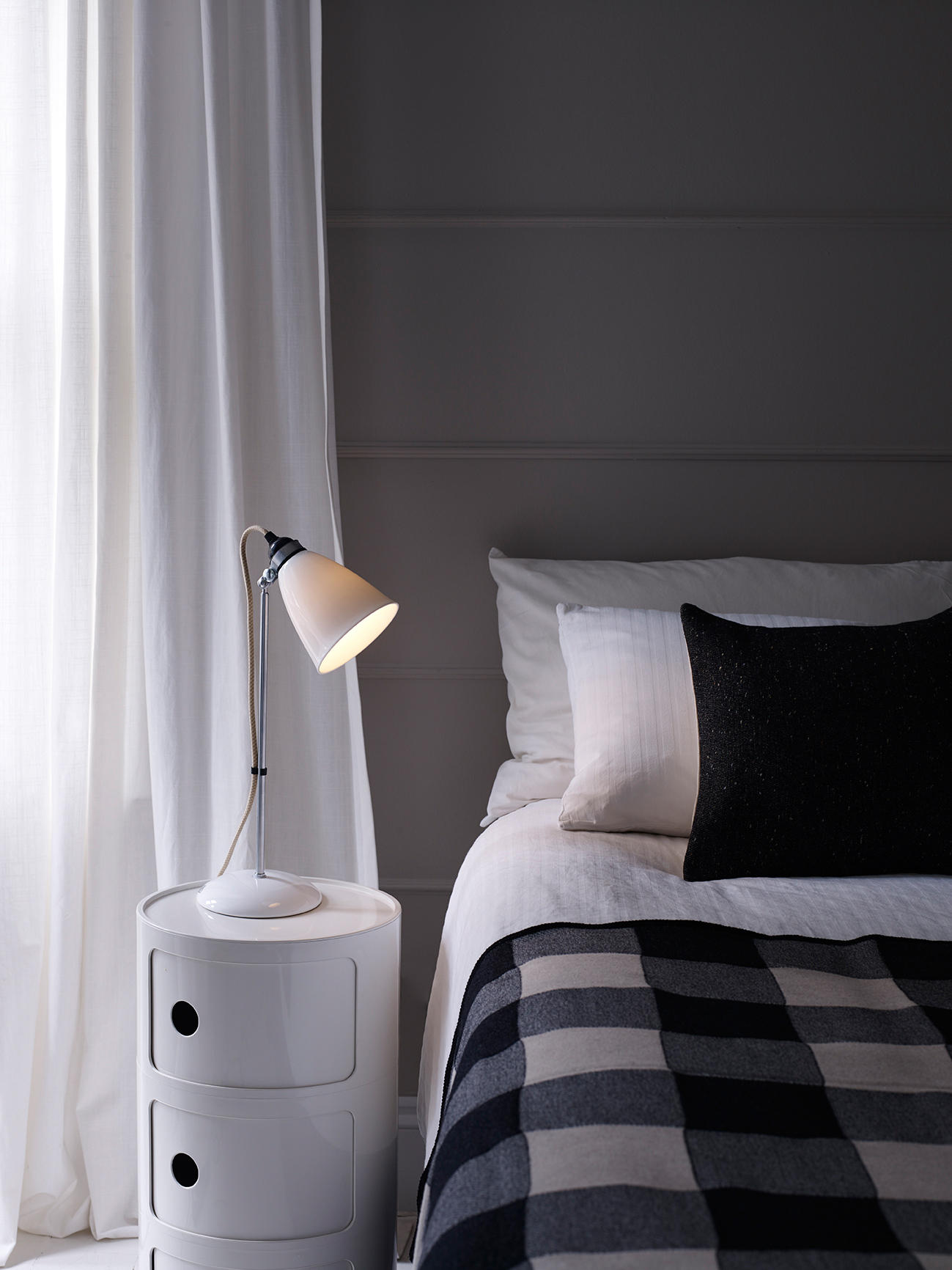 Hector 21 Table Lamp White Textured By Original Btc
