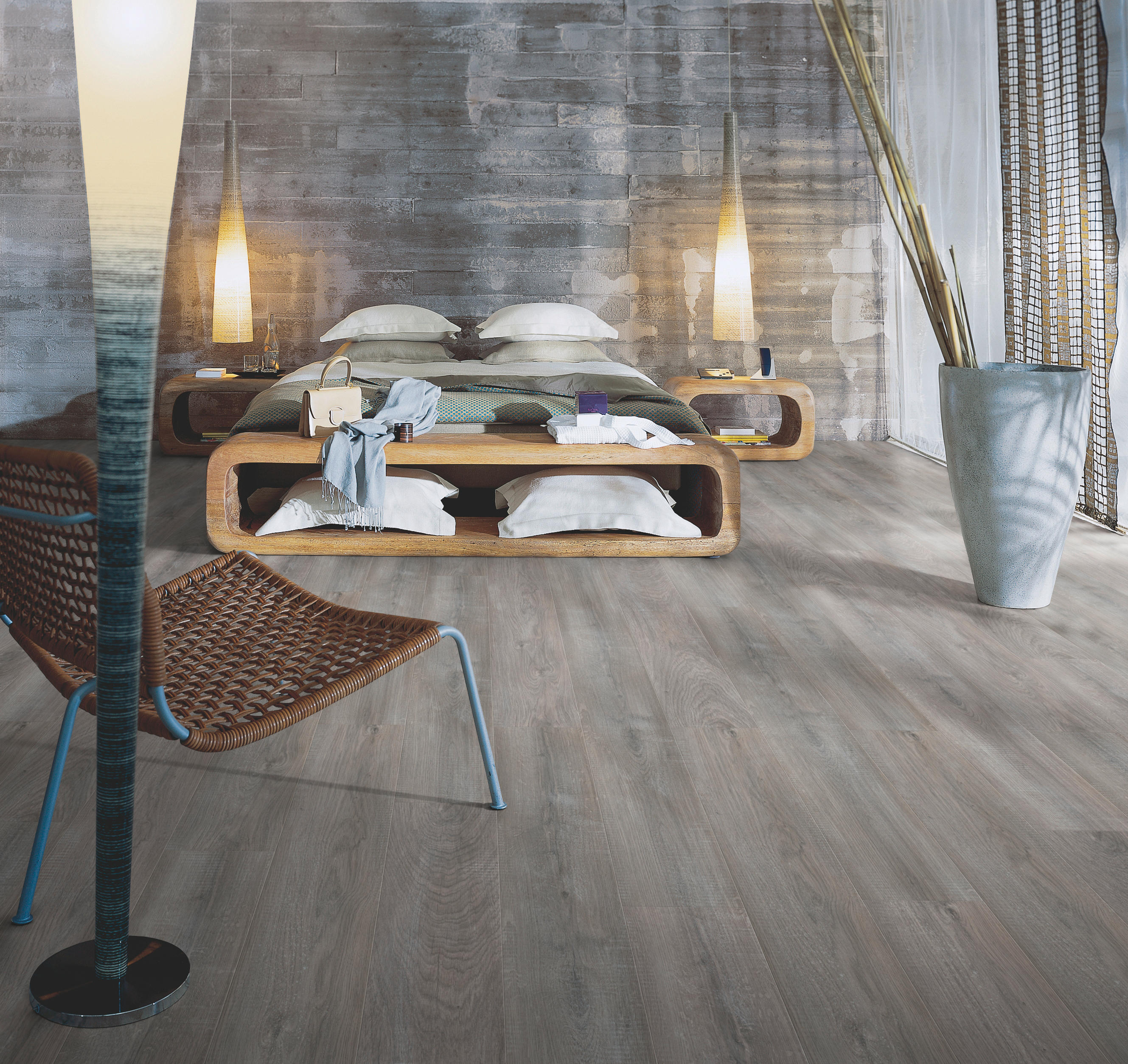 natural variation chalked blonde oak laminate flooring. Black Bedroom Furniture Sets. Home Design Ideas