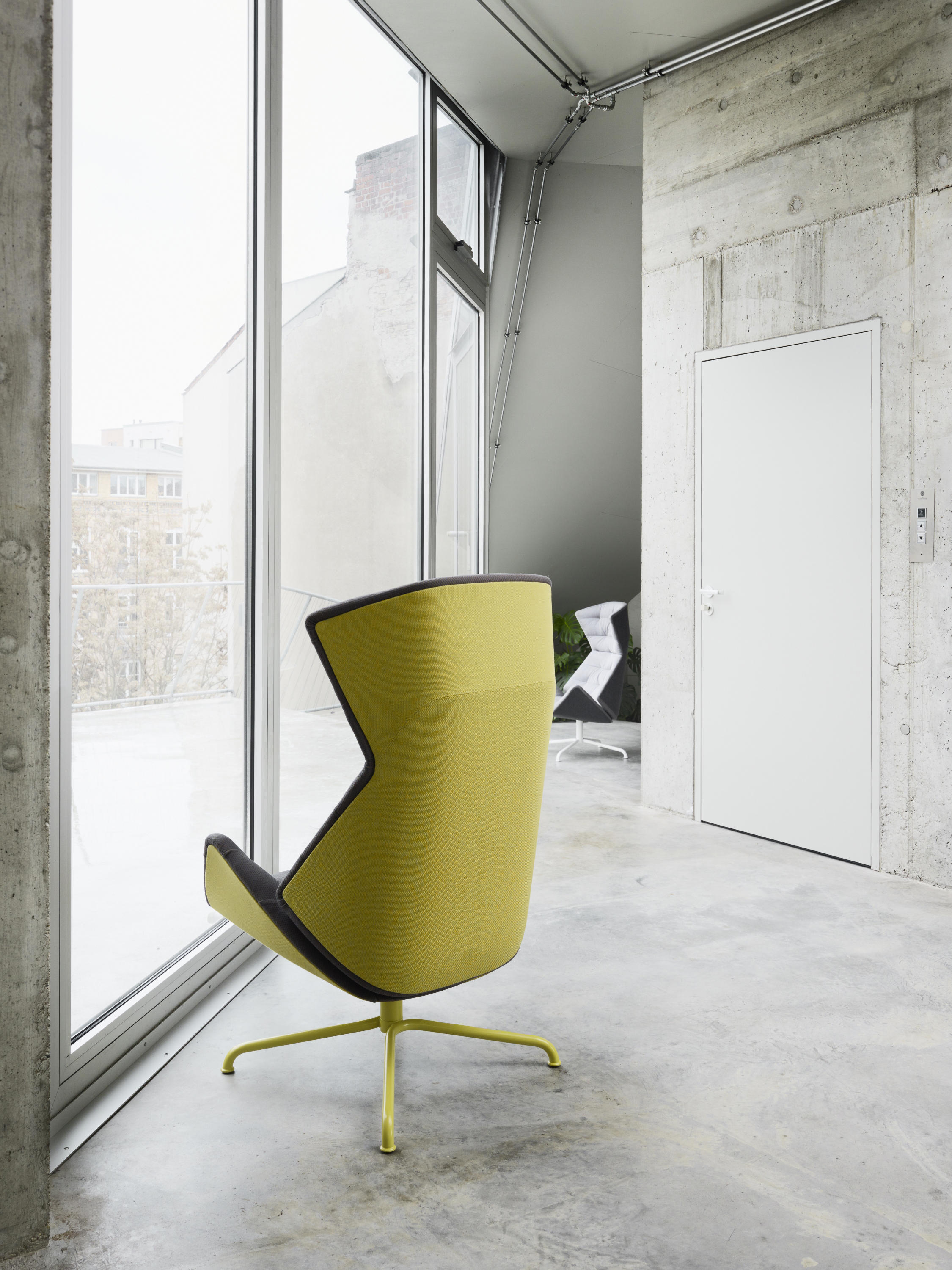 808 Lounge Chairs From Thonet Architonic