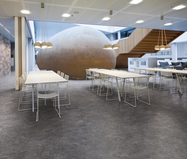 expona flow wood blond oak plastic flooring from. Black Bedroom Furniture Sets. Home Design Ideas