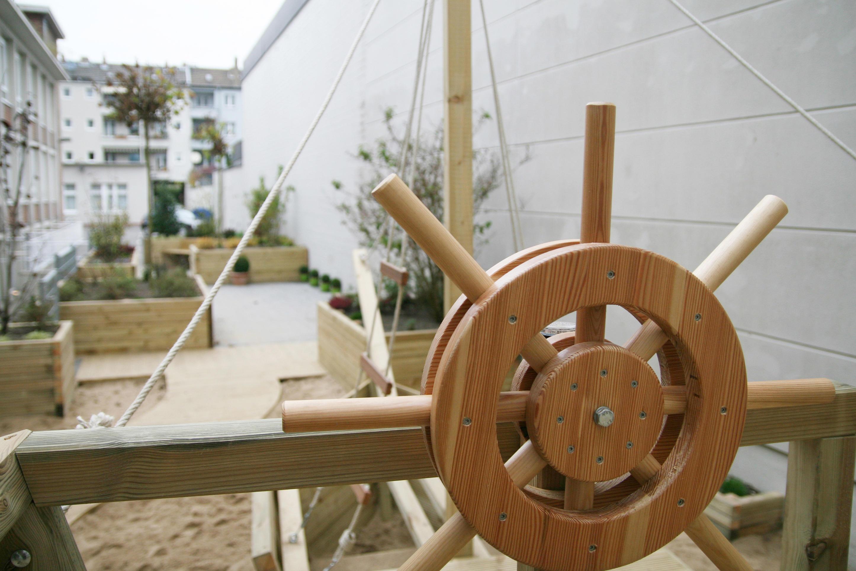 Etagenbett Piratenschiff : Kinderbett piratenschiff einzigartig aus holz best