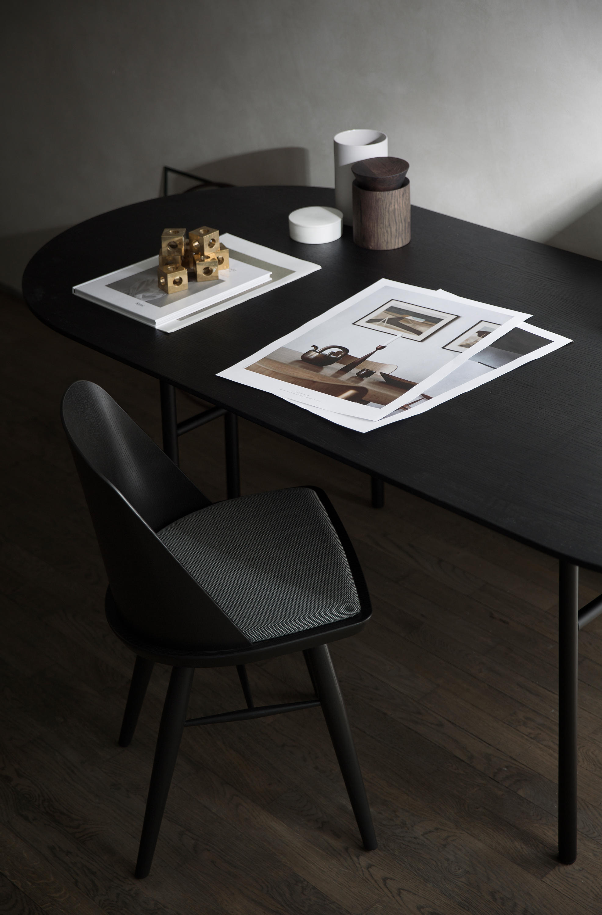 snaregade dining table rectangular black restaurant tables from menu architonic. Black Bedroom Furniture Sets. Home Design Ideas