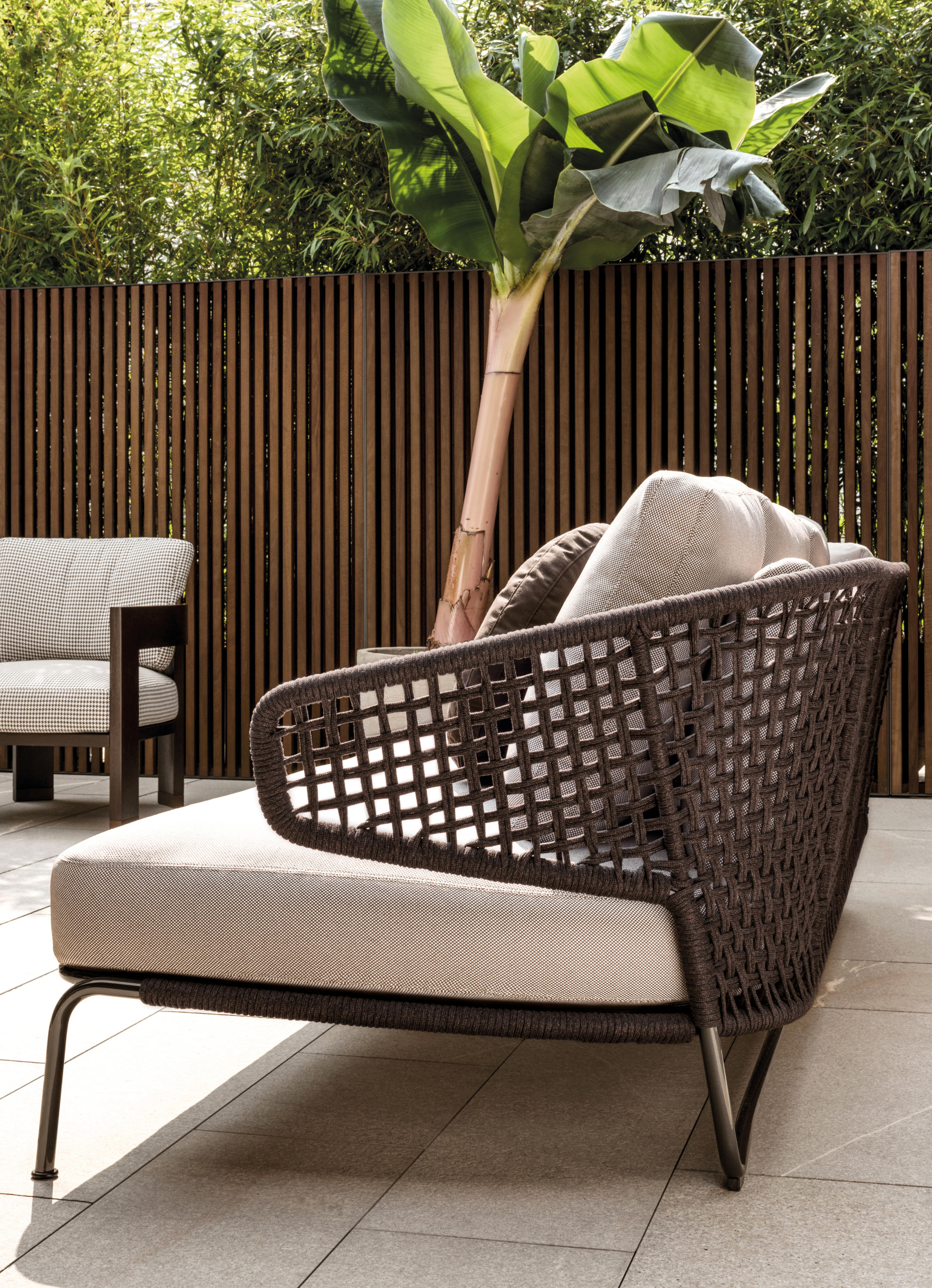 aston cord outdoor garden sofas from minotti architonic. Black Bedroom Furniture Sets. Home Design Ideas
