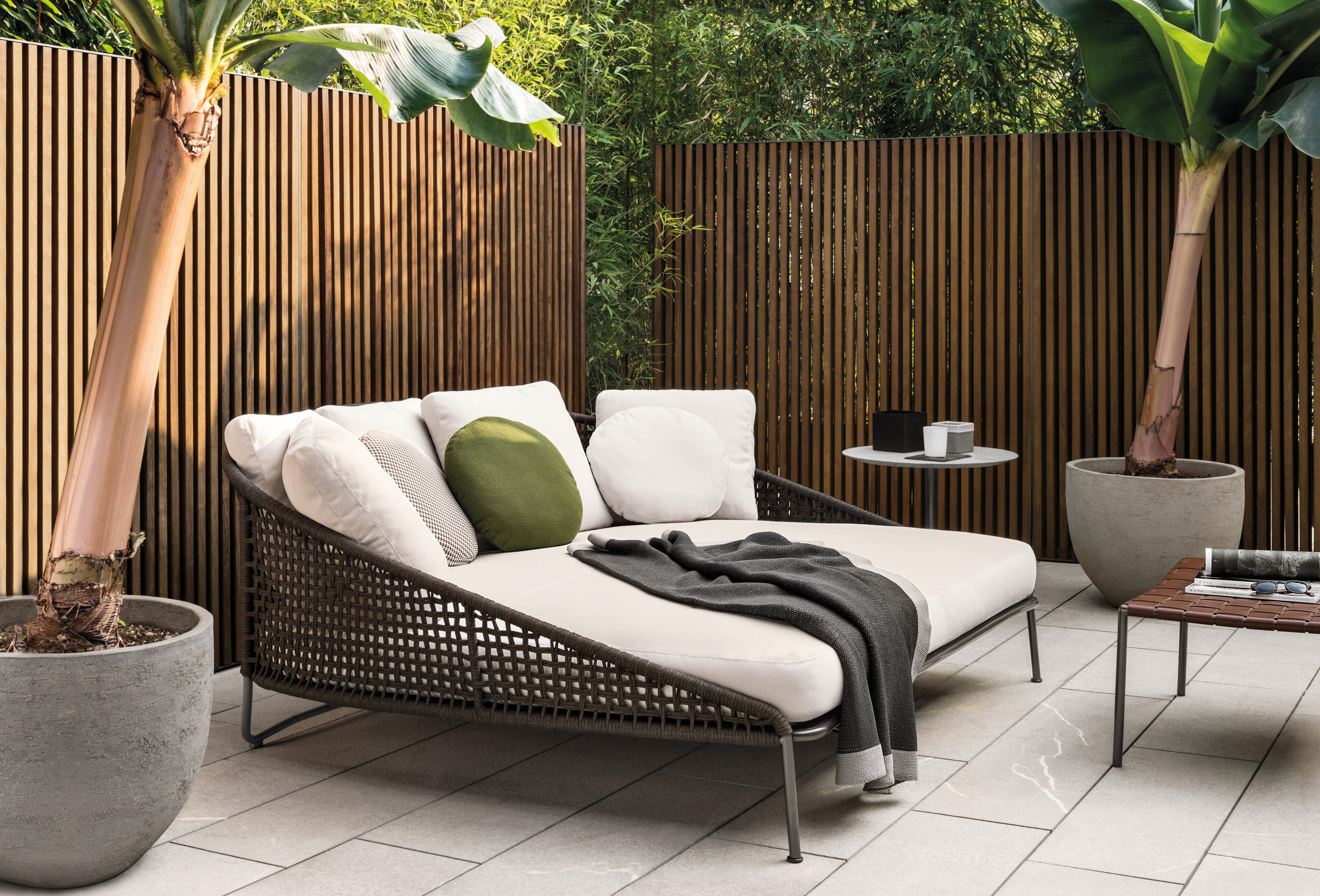 Aston Quot Cord Quot Outdoor Sofas From Minotti Architonic