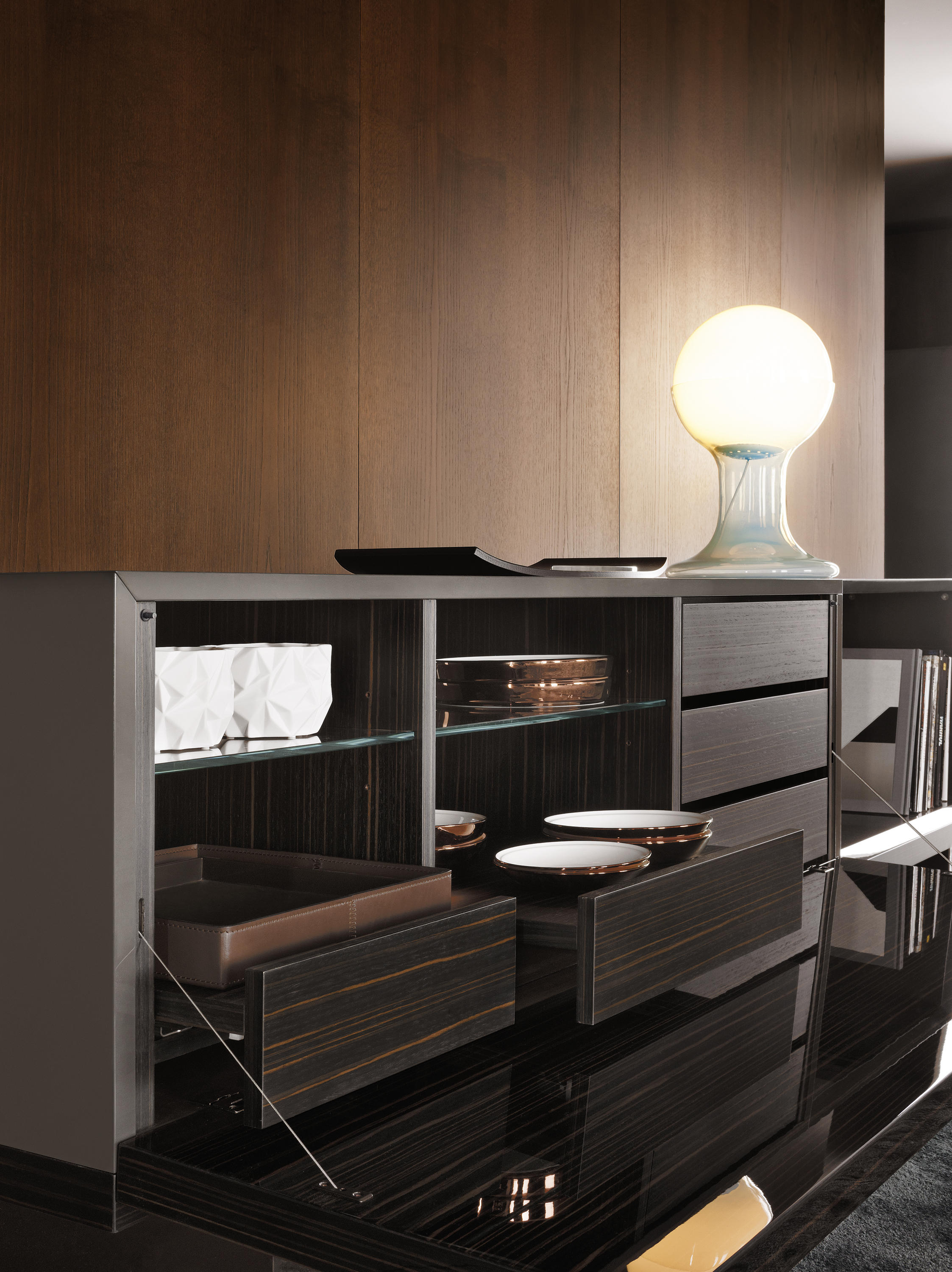 Lang sideboards from minotti architonic for Sideboard 2 m lang