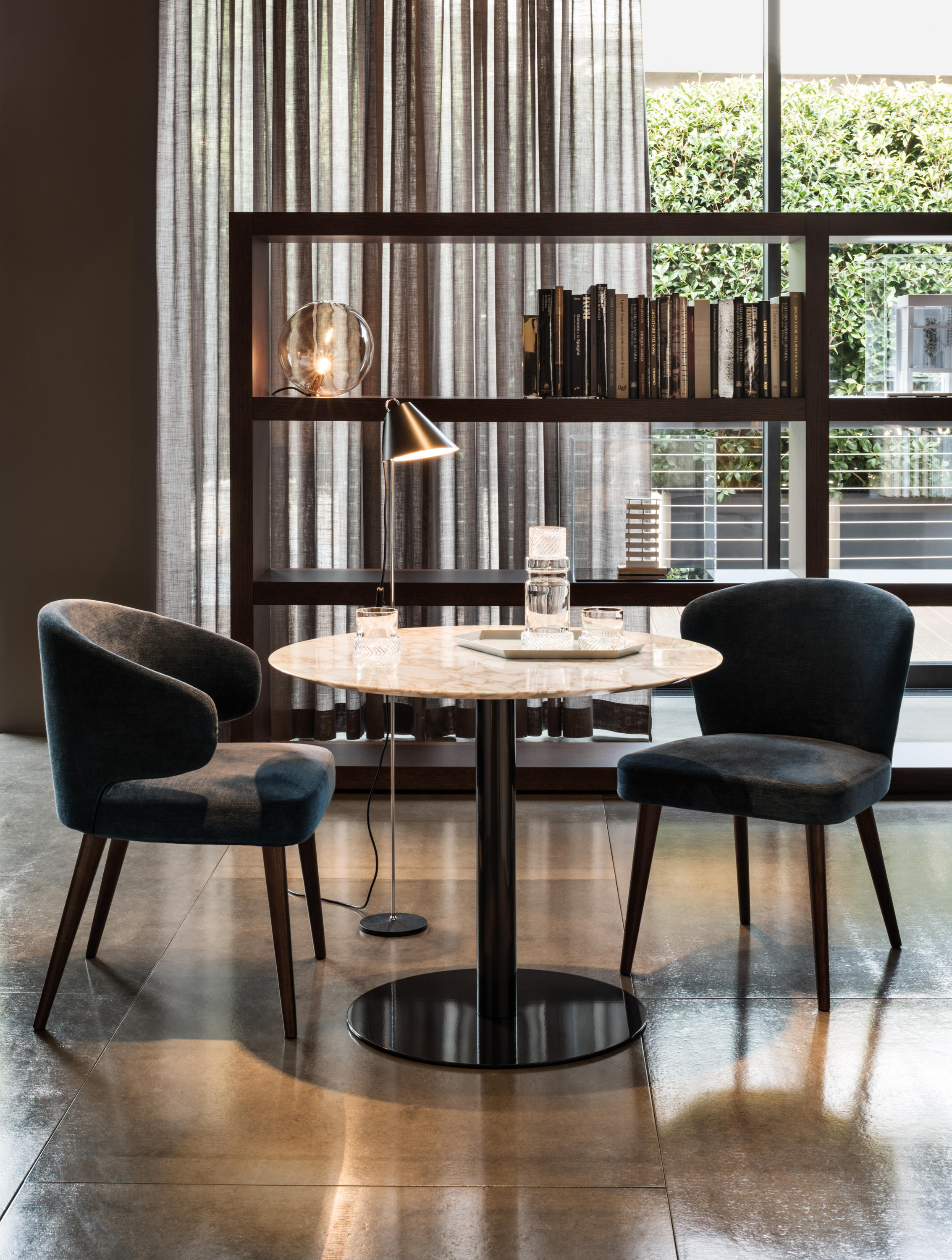 bellagio bistrot cafeteria tables from minotti architonic. Black Bedroom Furniture Sets. Home Design Ideas