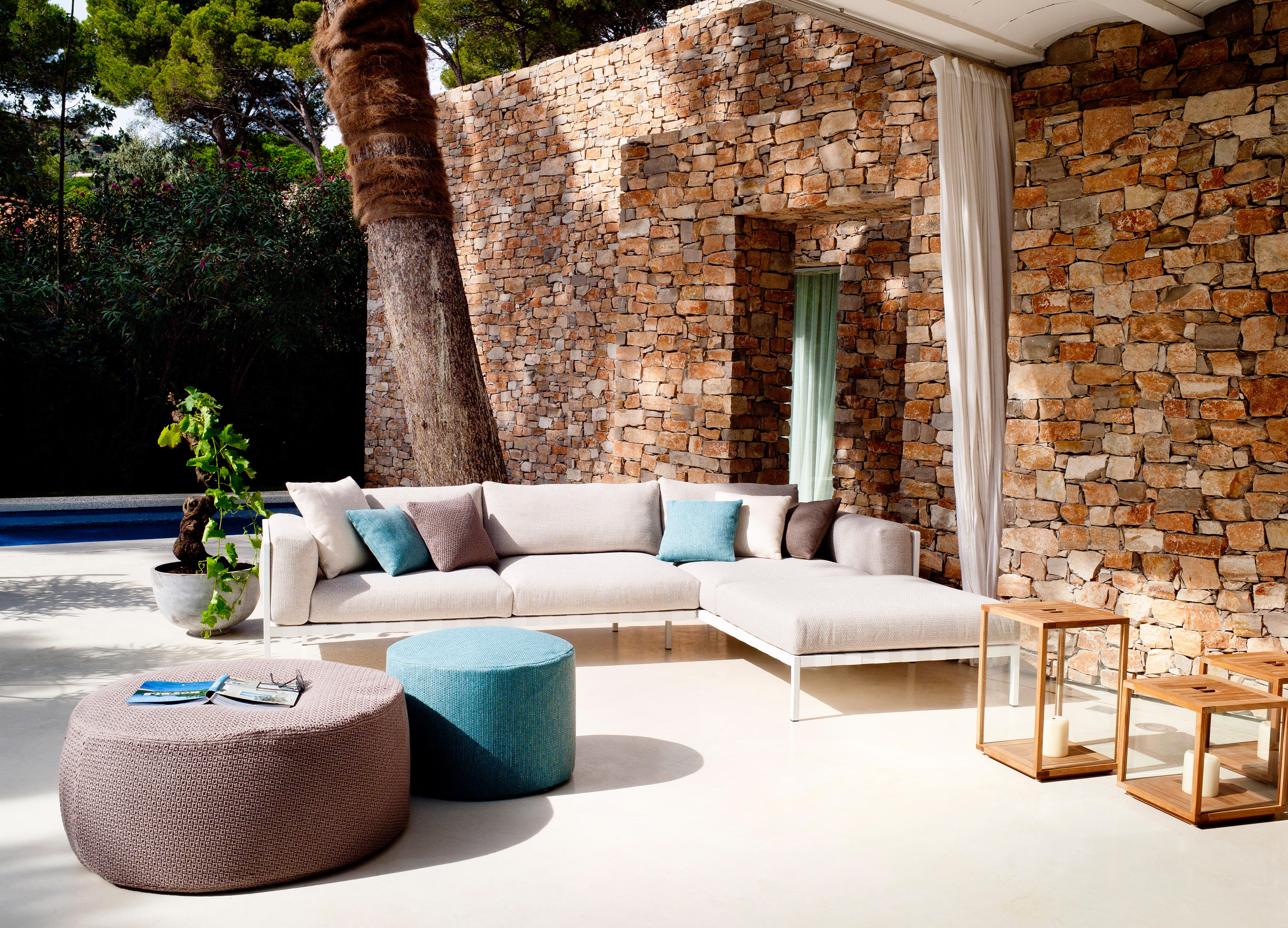 outdoor poufs poufs from tribù architonic