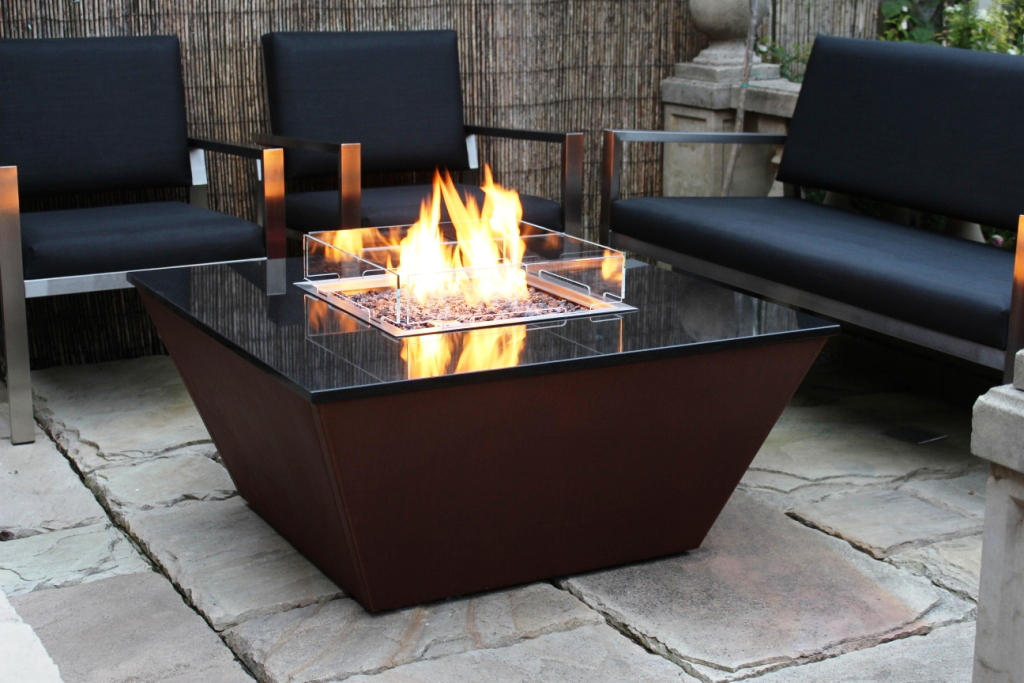 aztec gas fire table gartenfeuerstellen von rivelin architonic. Black Bedroom Furniture Sets. Home Design Ideas