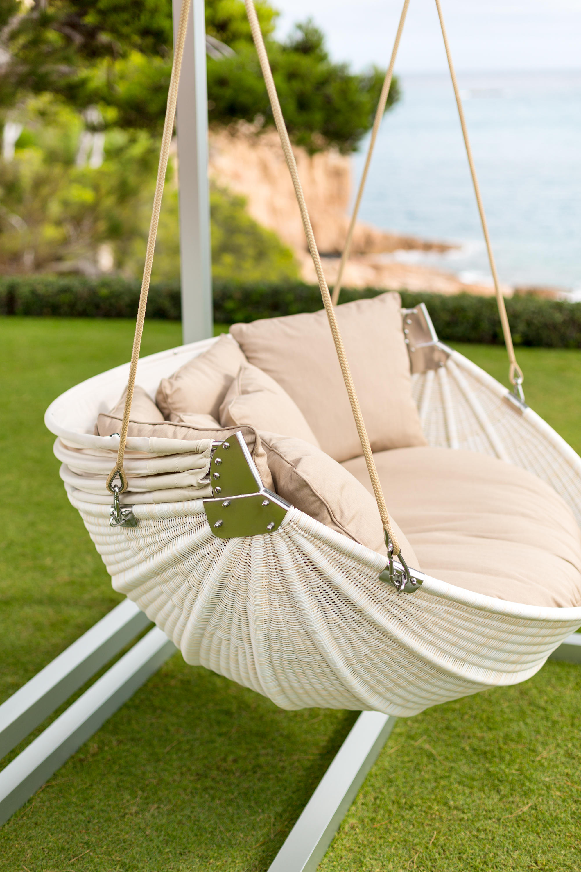 Armadillo Swing With Base Swings From Point Architonic