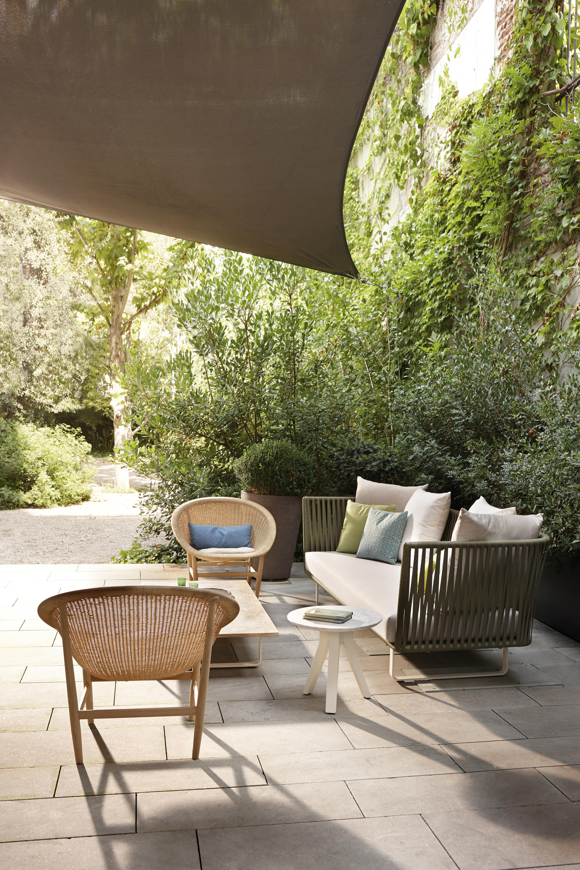 Basket club chair armchairs from kettal architonic for Meubles terrasse design