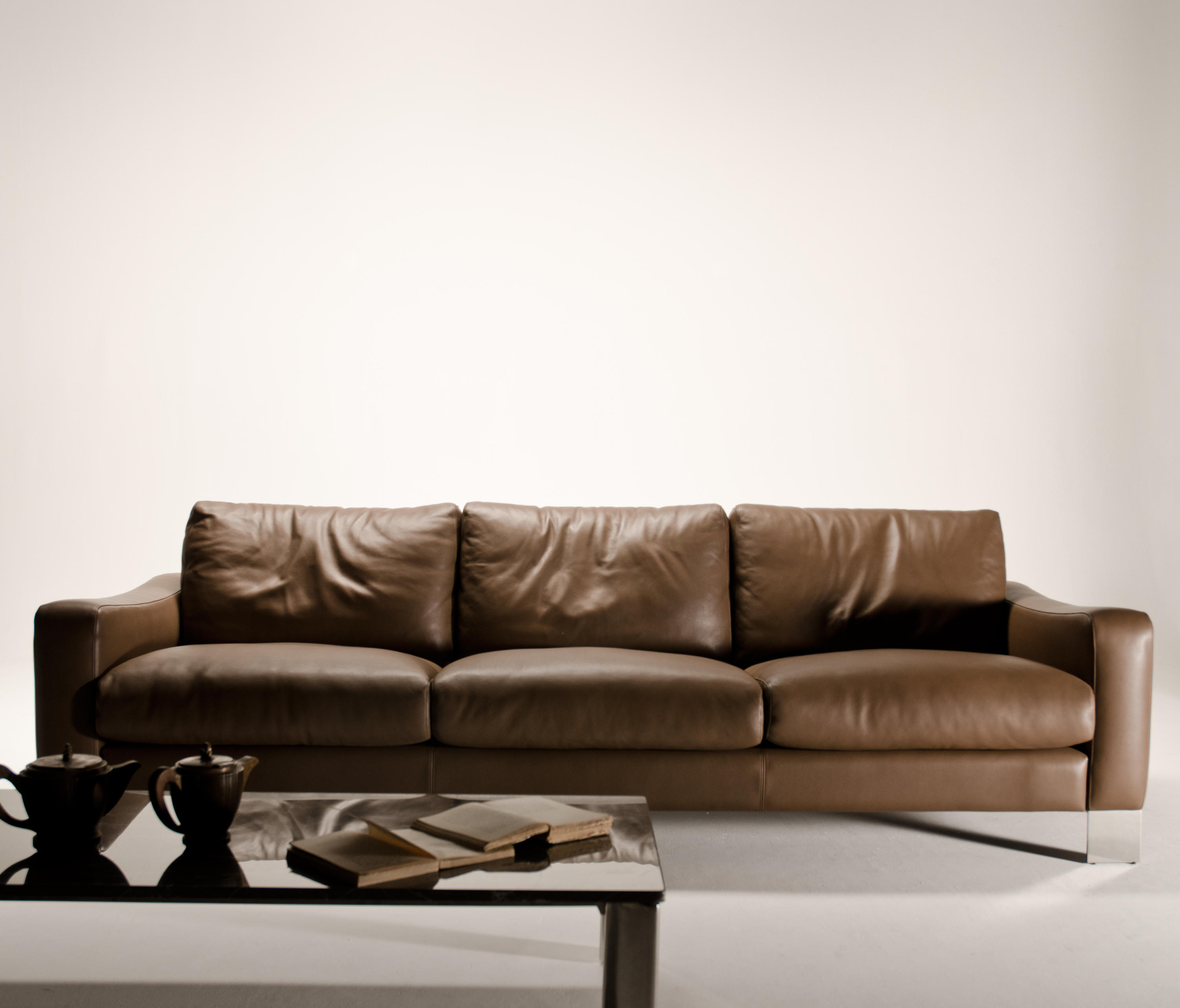 DOLCEMARO SOFA LEATHER - Sofas from Loop & Co | Architonic