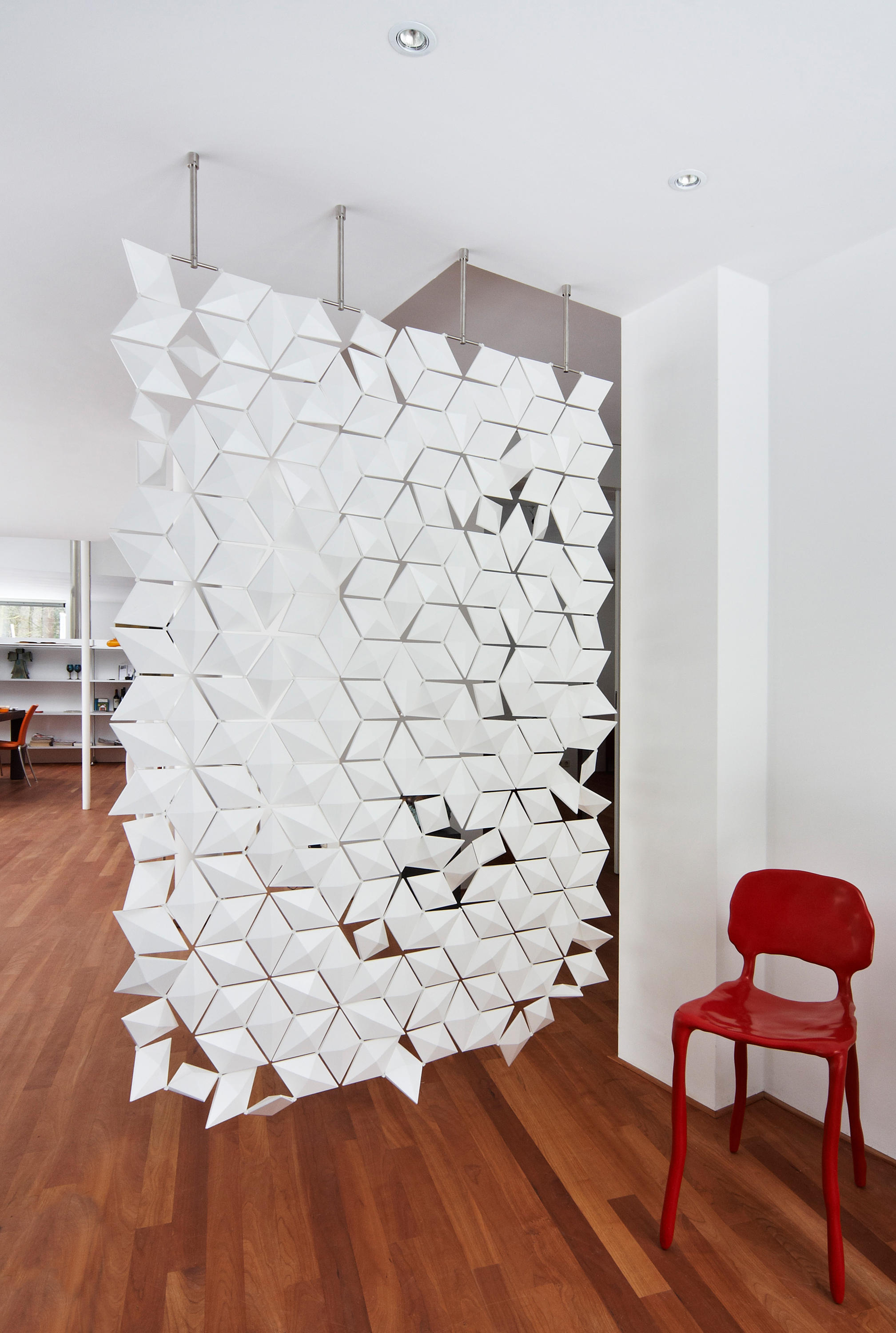 HANGING ROOM DIVIDER FACET - GRAPHITE - Space dividers from ...