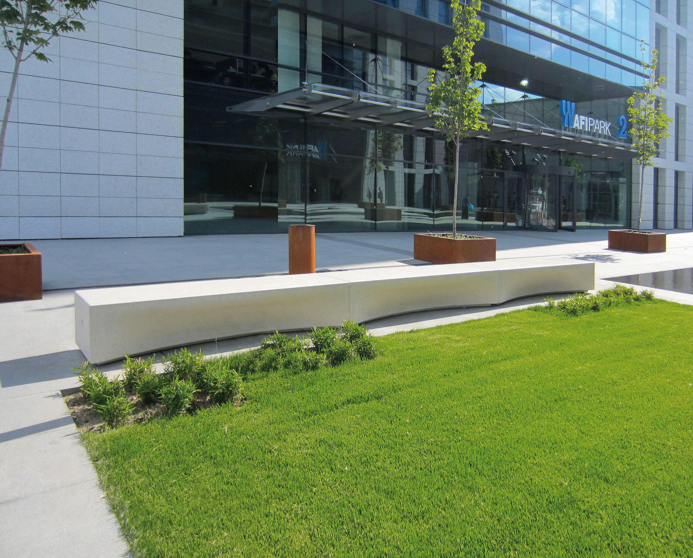 Ibox bancos de exterior de metalco architonic for Bancos para exterior