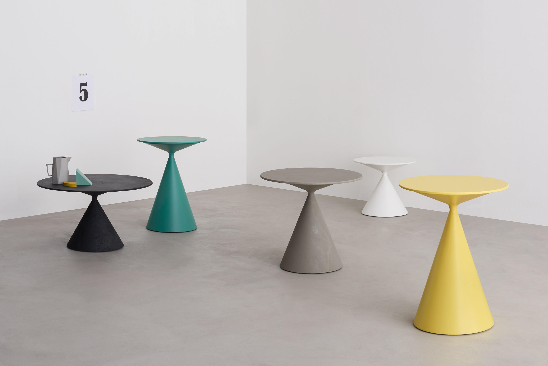 CLAY Meeting room tables from Desalto Architonic : mini clay 4 tavolino b from www.architonic.com size 3000 x 2002 jpeg 181kB