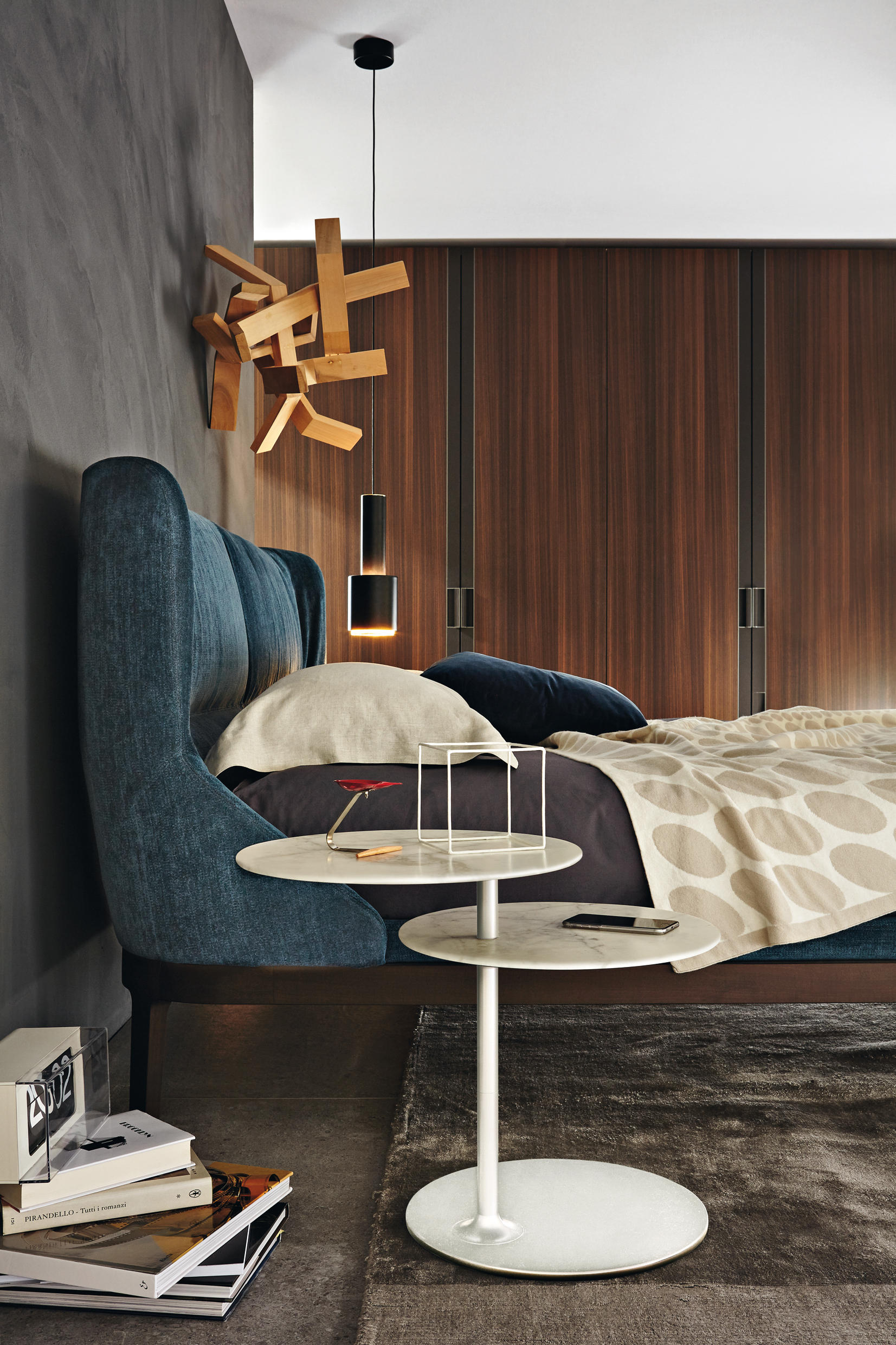 vicino side tables from molteni c architonic. Black Bedroom Furniture Sets. Home Design Ideas
