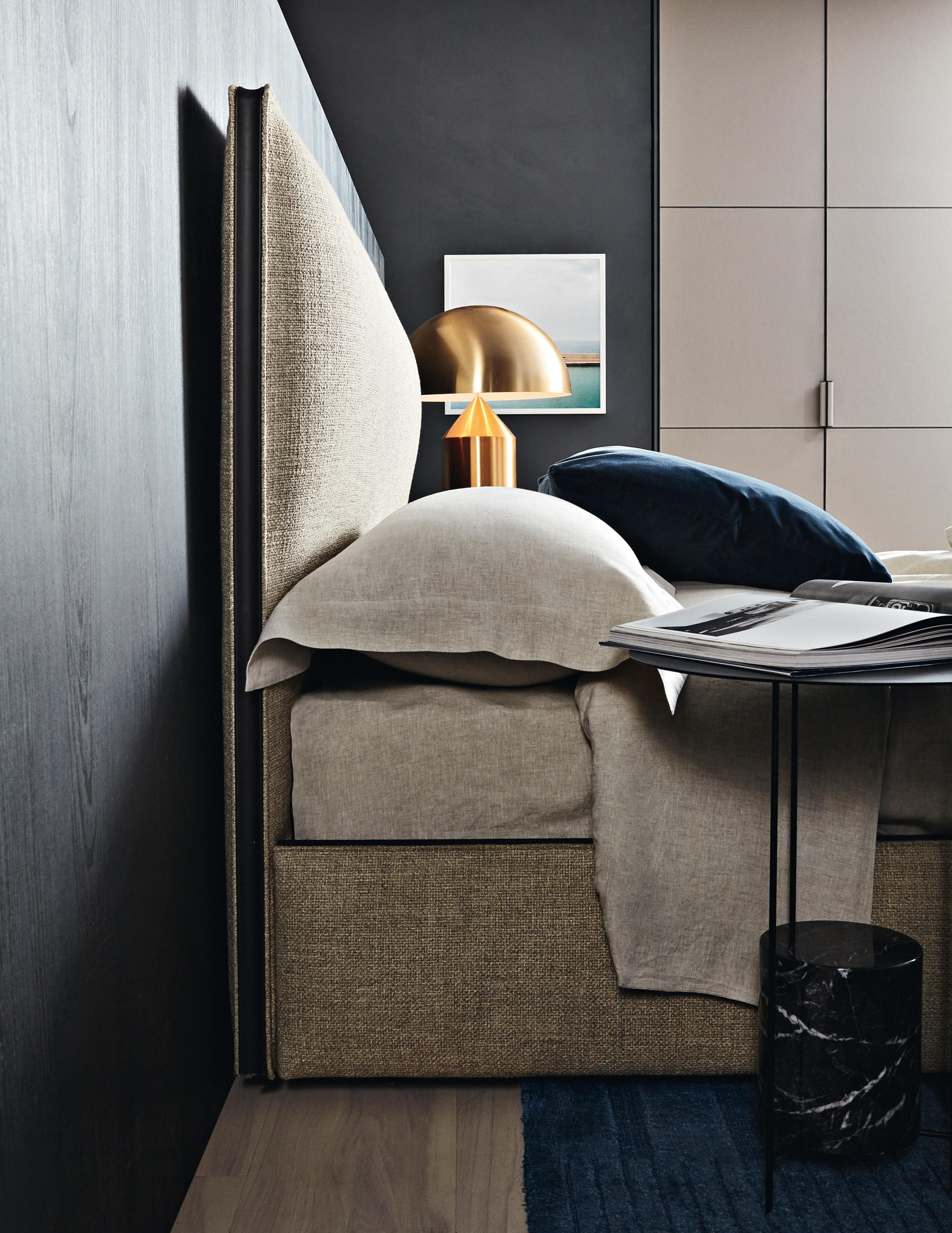 ribbon double beds from molteni c architonic. Black Bedroom Furniture Sets. Home Design Ideas
