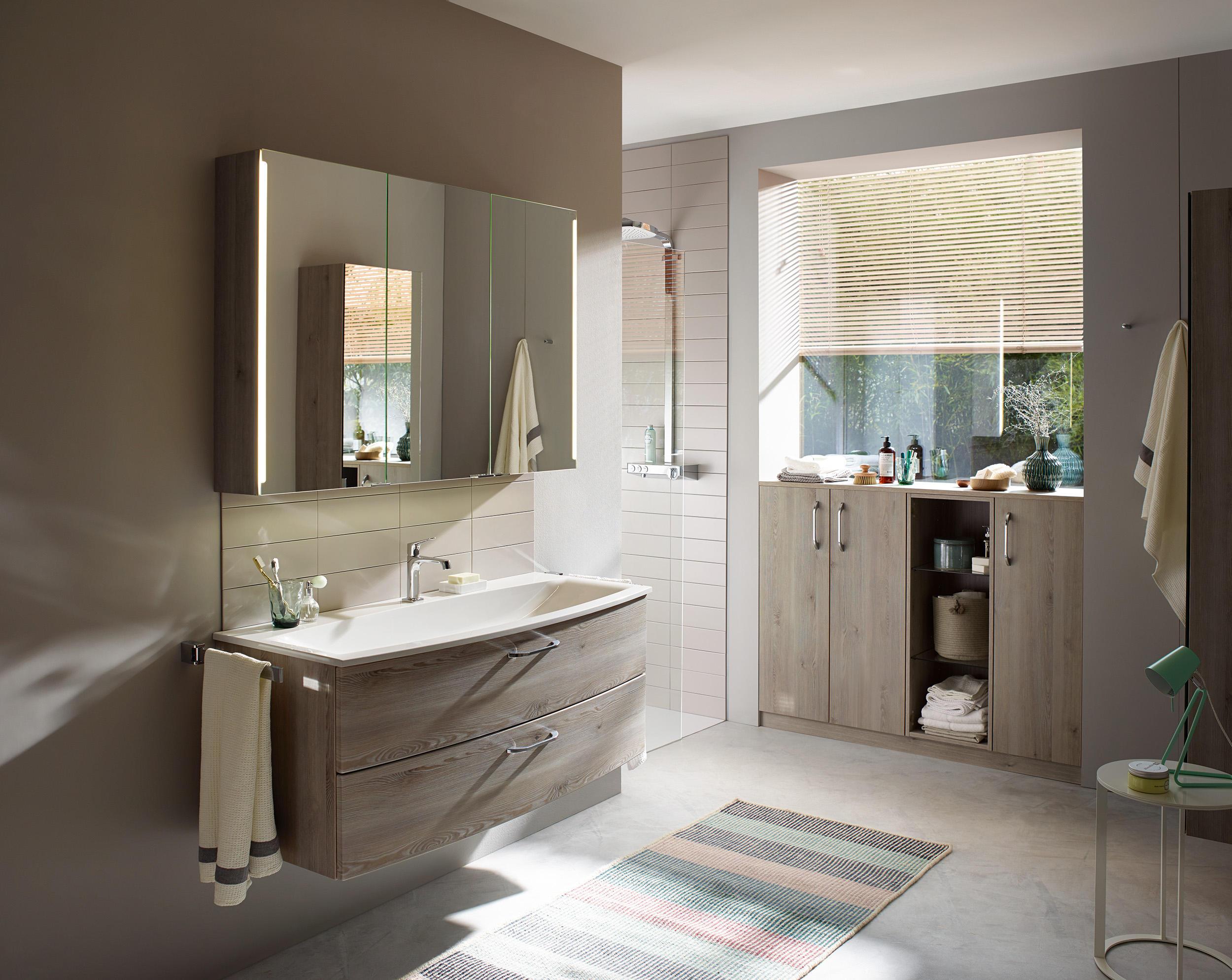 sys30 spiegelschrank mit horizontaler beleuchtung und. Black Bedroom Furniture Sets. Home Design Ideas