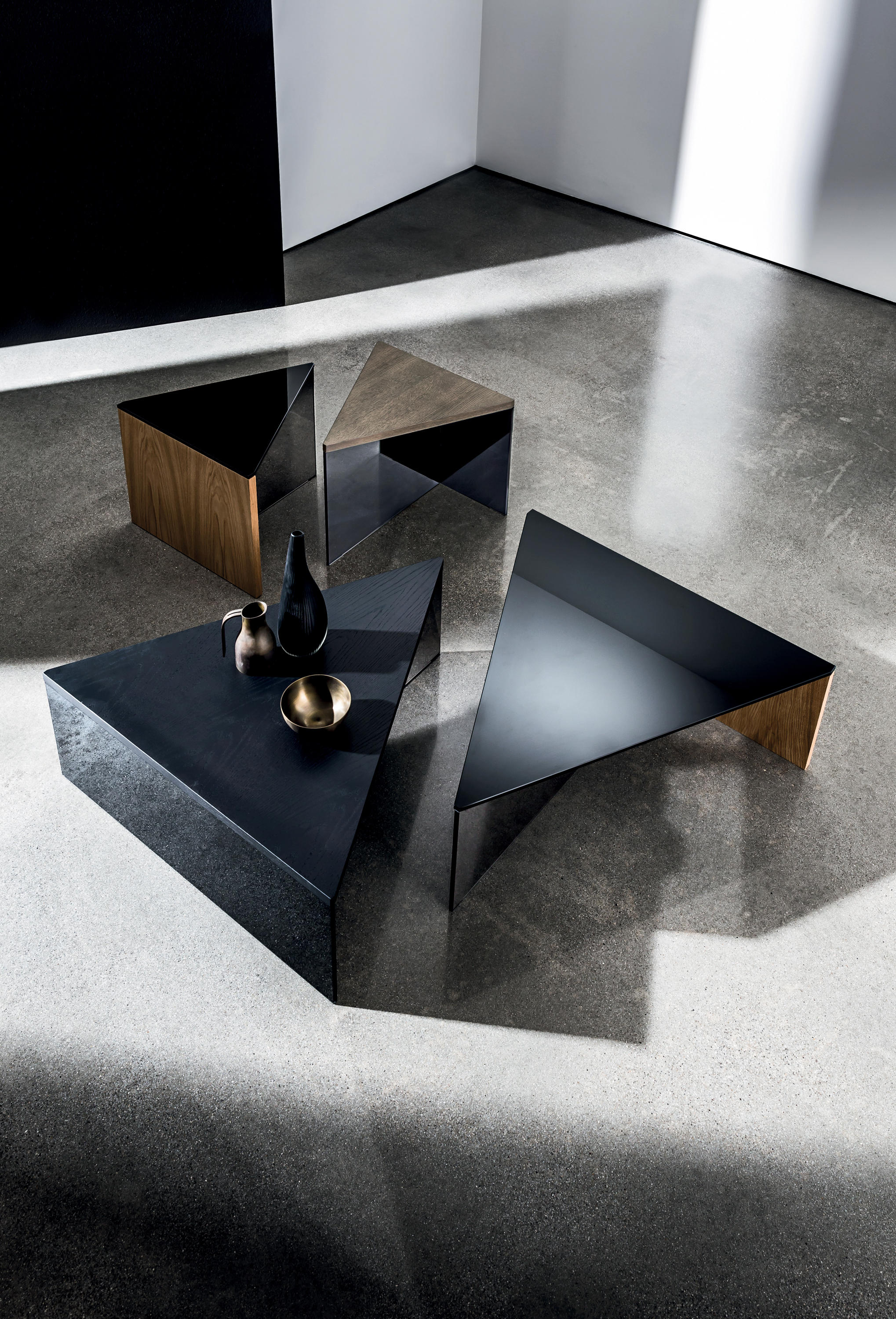 Regolo console console tables from sovet architonic - Glass centre table for living room ...