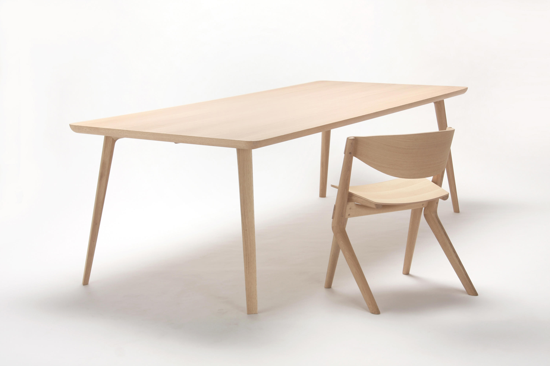 Scout table 240 tavoli da pranzo karimoku new standard for Produttori tavoli