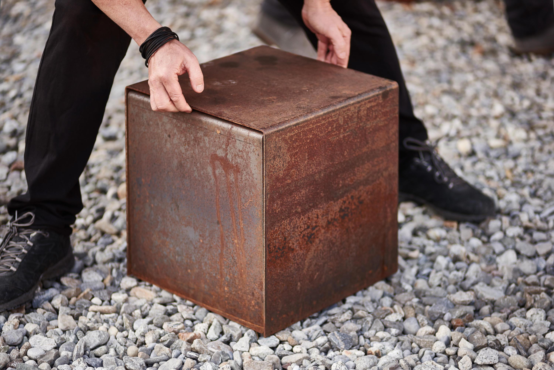 stahl kubus gartenhocker von feuerring architonic. Black Bedroom Furniture Sets. Home Design Ideas