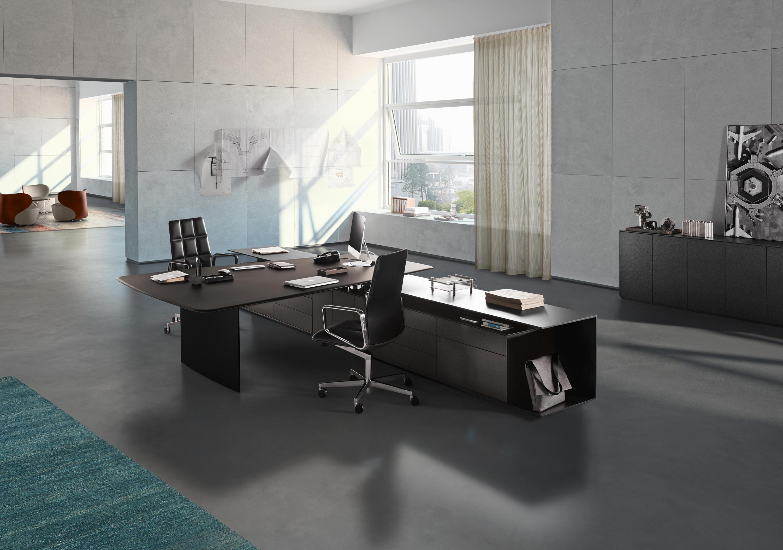 Keypiece Communication Desk By Walter K