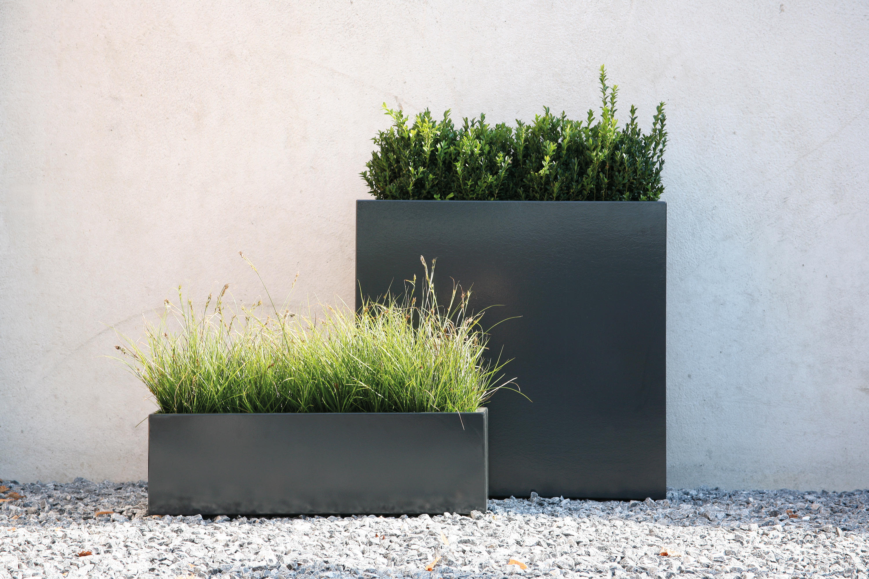 Flowerbox plantbox flowerpots planters from conmoto for Amenagement jardin moderne