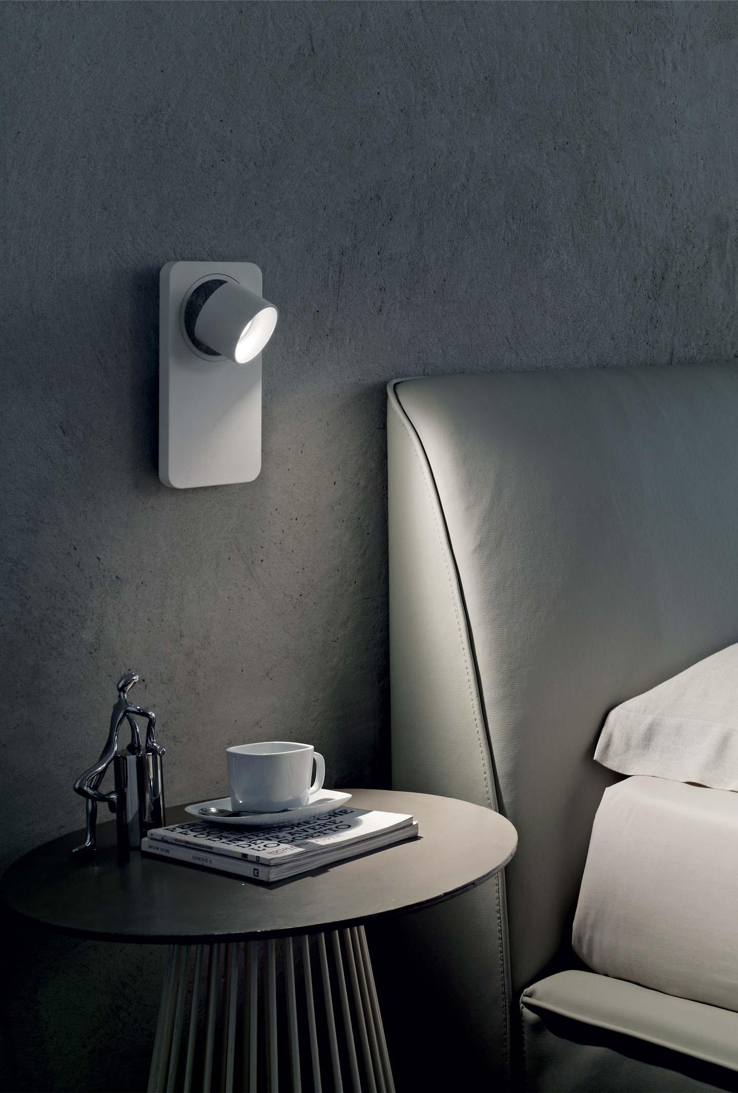 Beebo W Wall Lights From Linea Light Group Architonic