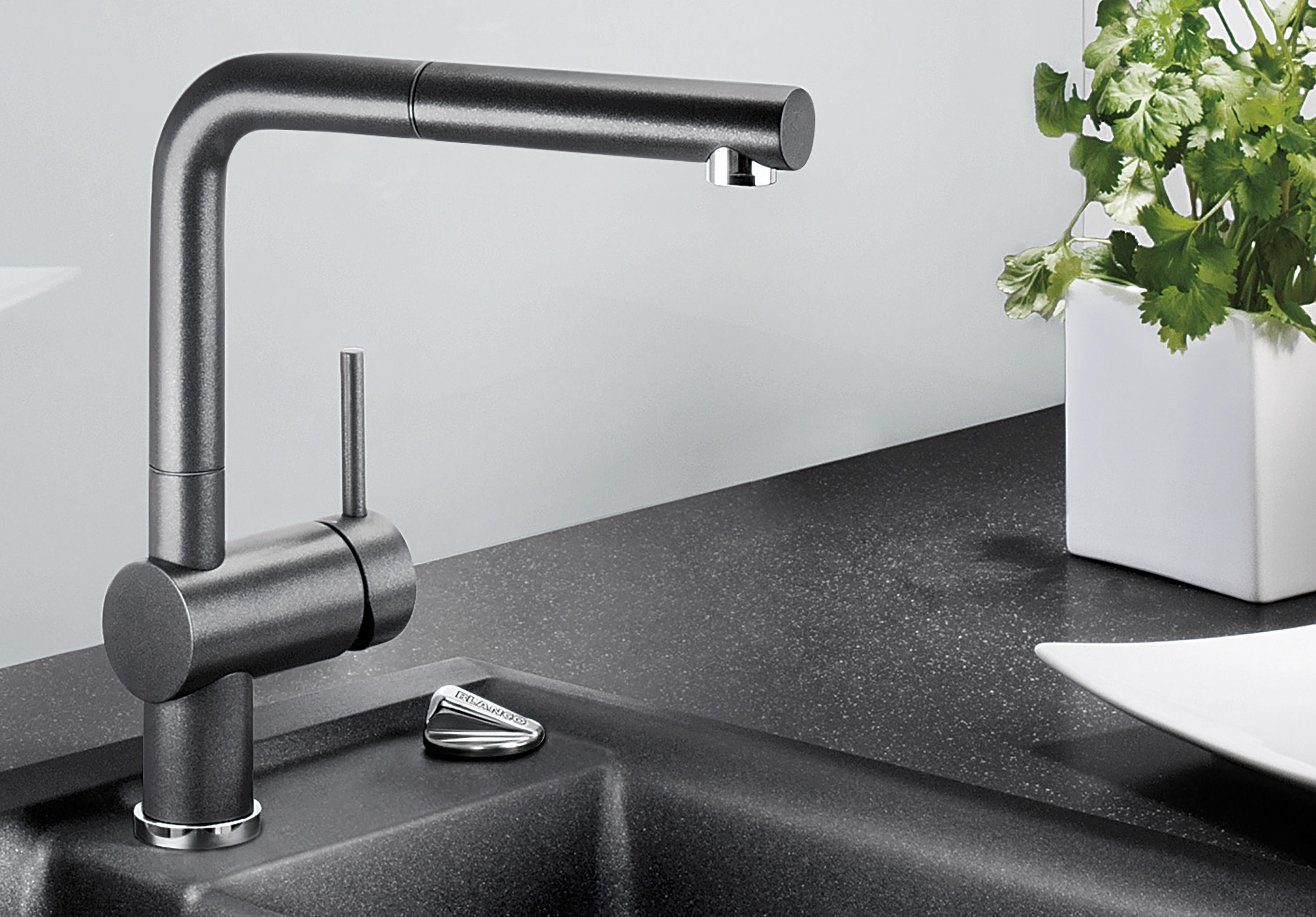 blanco linus chrome kitchen taps from blanco architonic. Black Bedroom Furniture Sets. Home Design Ideas