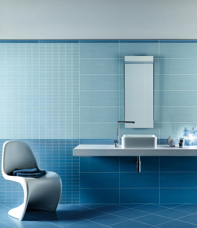 Piastrelle bagno blu mare best marmo grigio mare di - Piastrelle di vetro ...