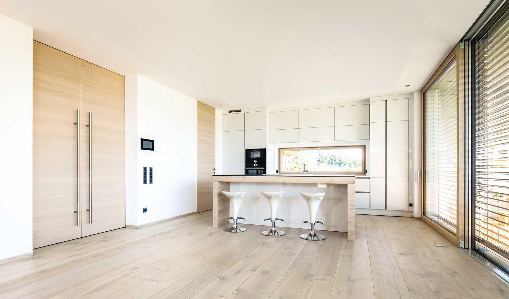 gutsboden eiche natur holzb den von trapa architonic. Black Bedroom Furniture Sets. Home Design Ideas