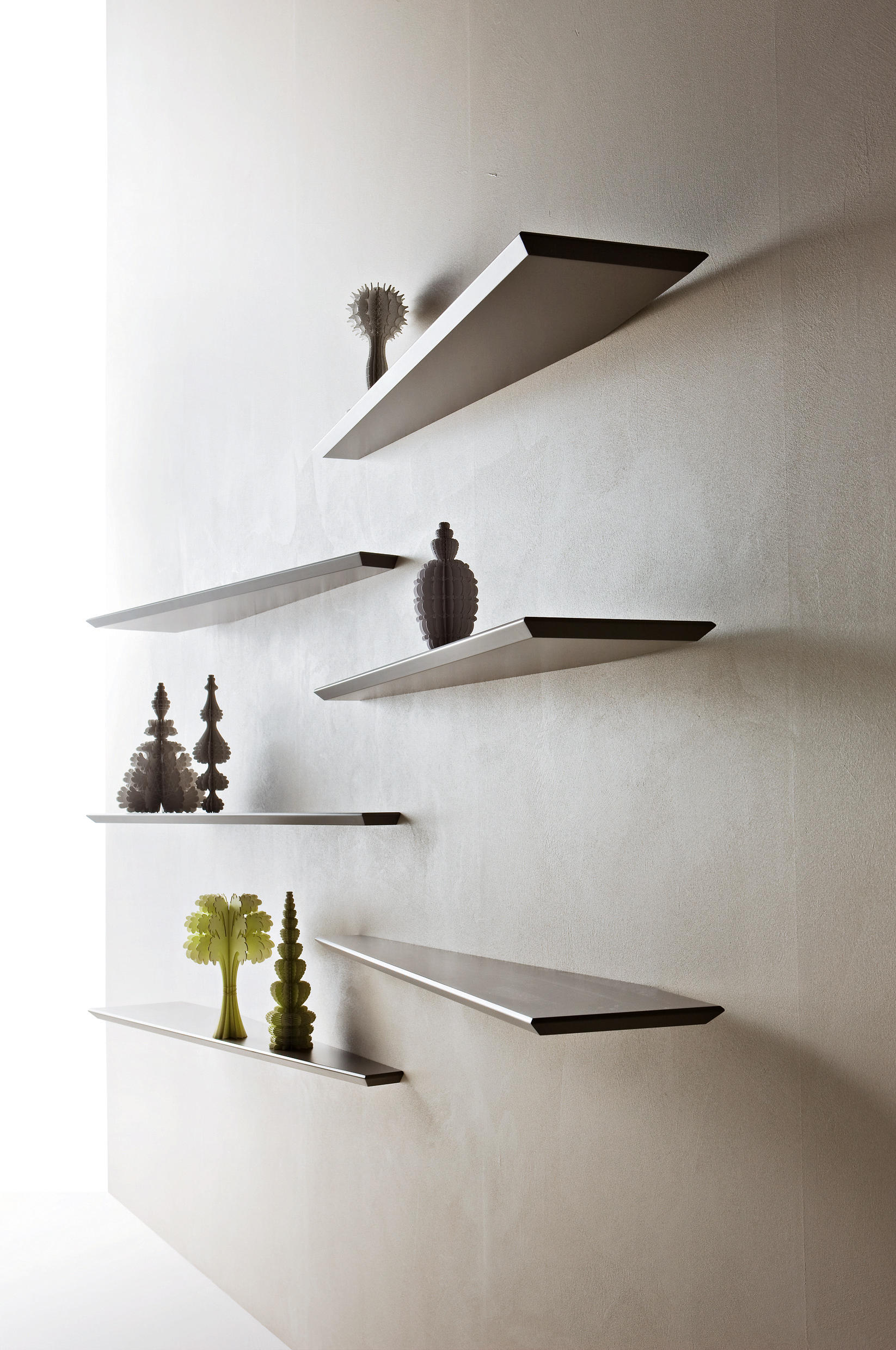 10 mensola wall shelves from molteni c architonic for Staffe per mensole