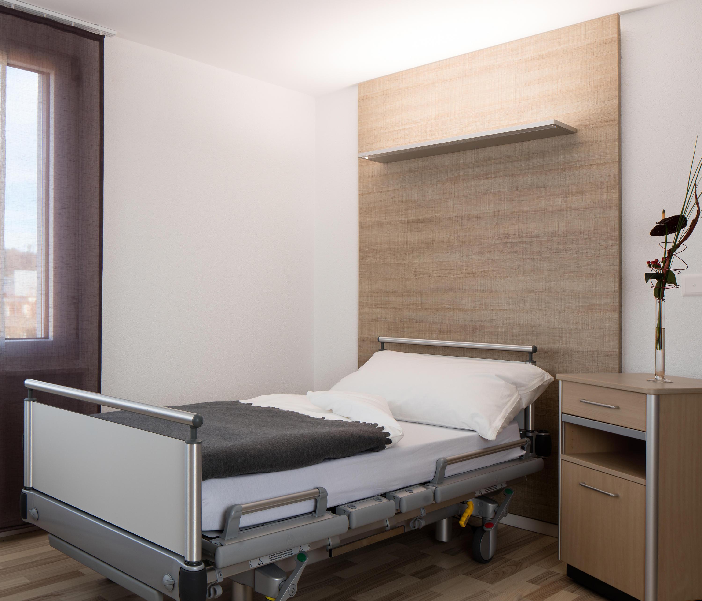 zera bed wandleuchte allgemeinbeleuchtung von h waldmann architonic. Black Bedroom Furniture Sets. Home Design Ideas