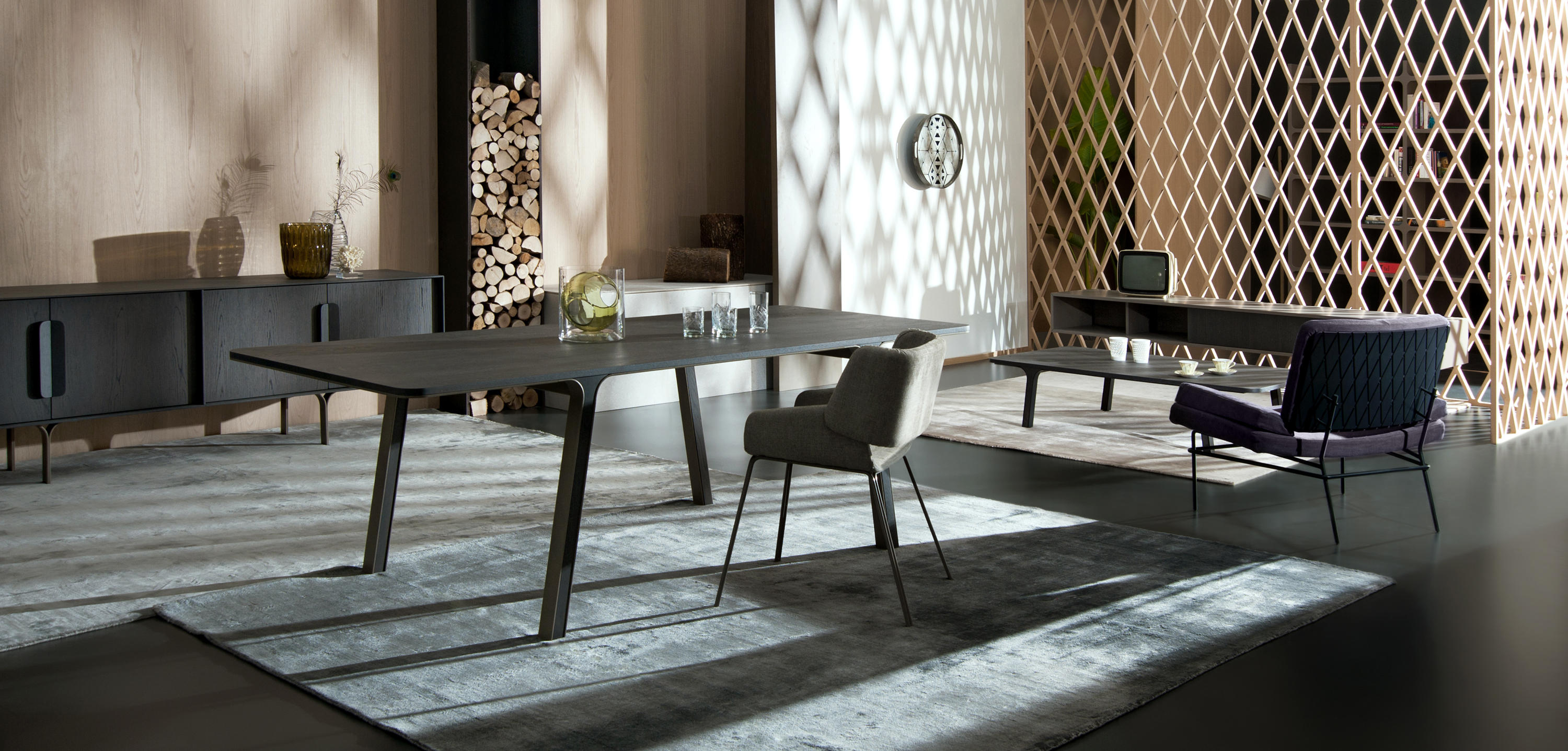 MOBIUS 001 Dining tables from al2