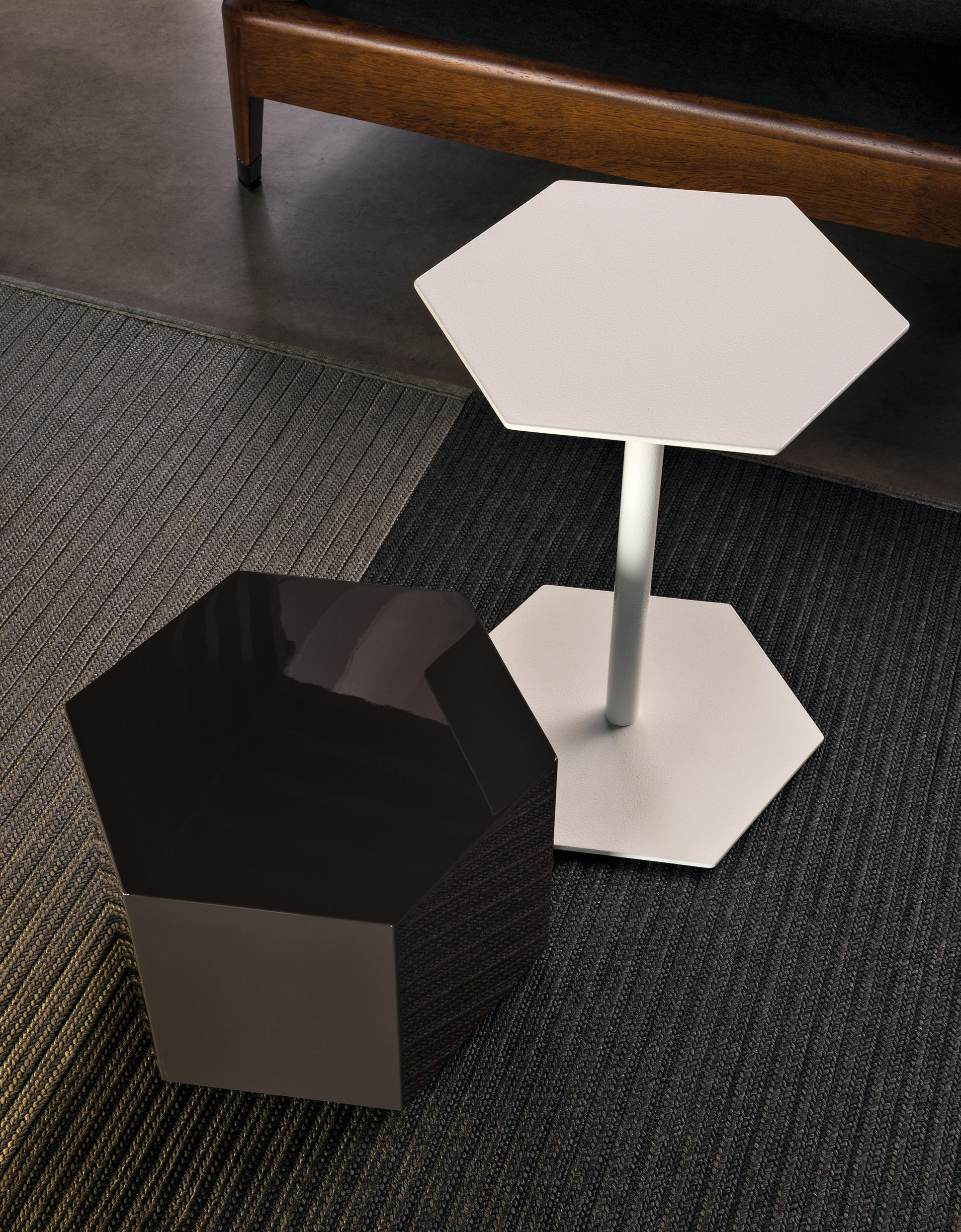 BRISLEY OUTDOOR ACCENT TABLE Side tables from Minotti