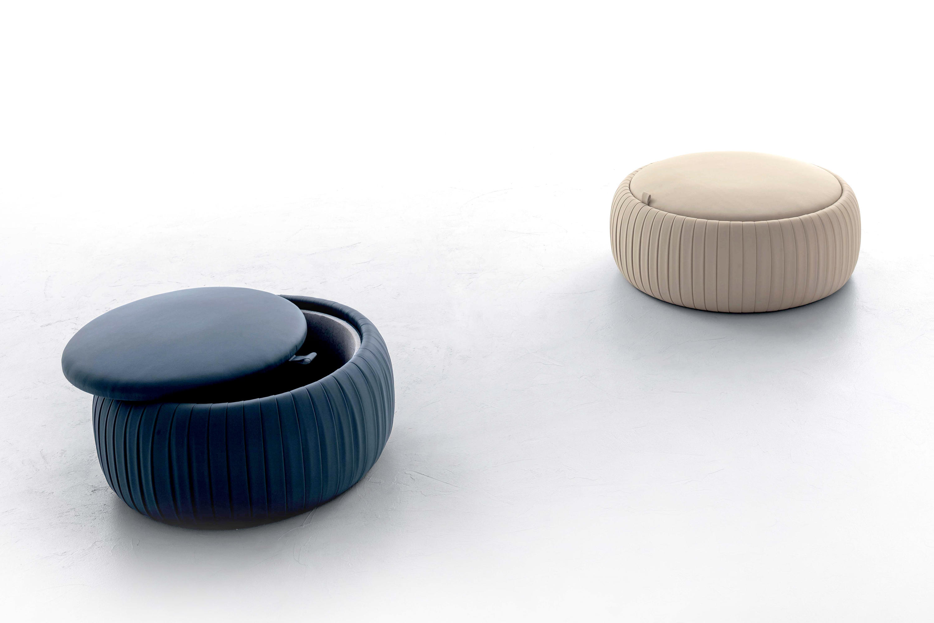 plisse poufs from tonin casa architonic. Black Bedroom Furniture Sets. Home Design Ideas