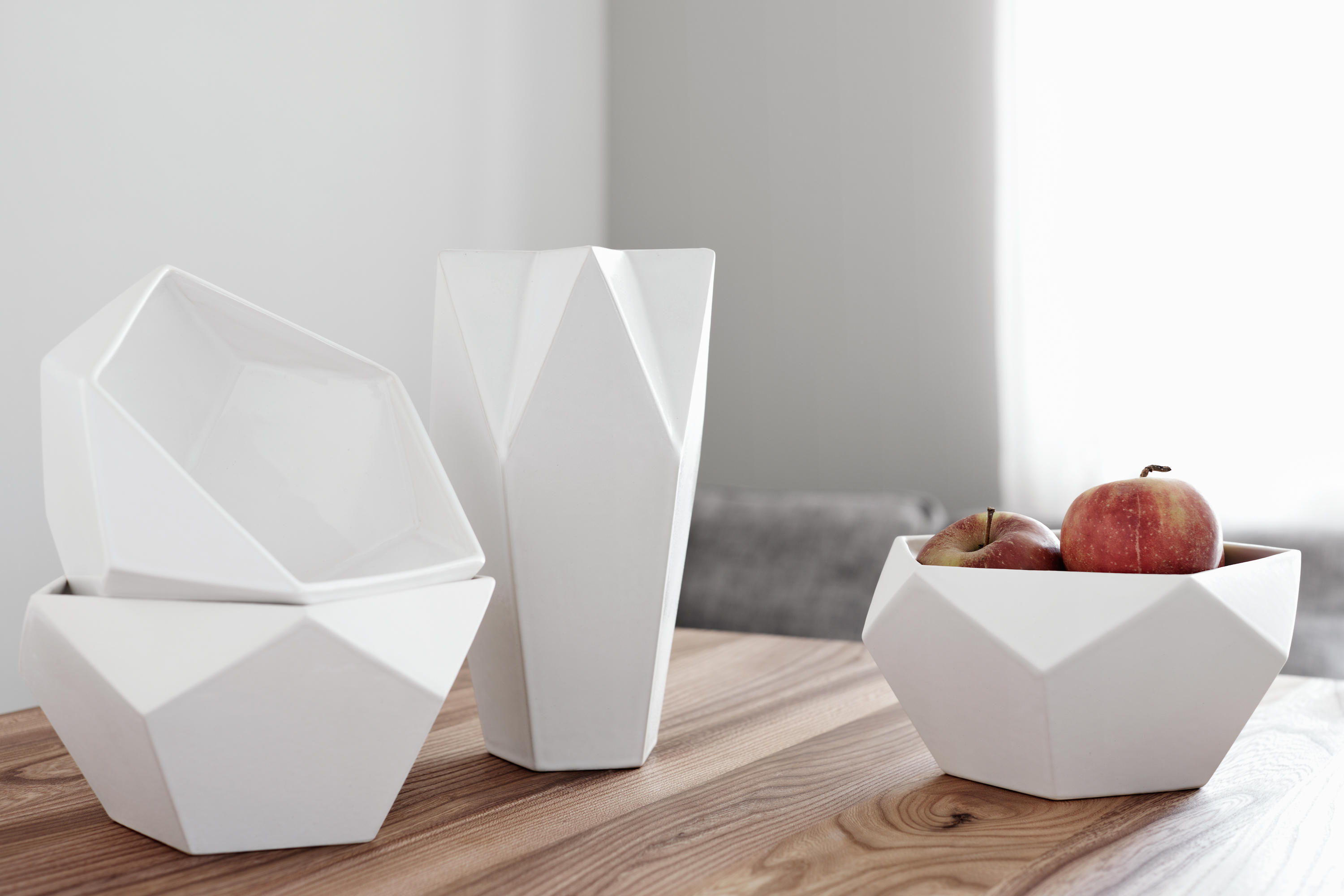 ceramics ayako white vases from raum b architonic. Black Bedroom Furniture Sets. Home Design Ideas