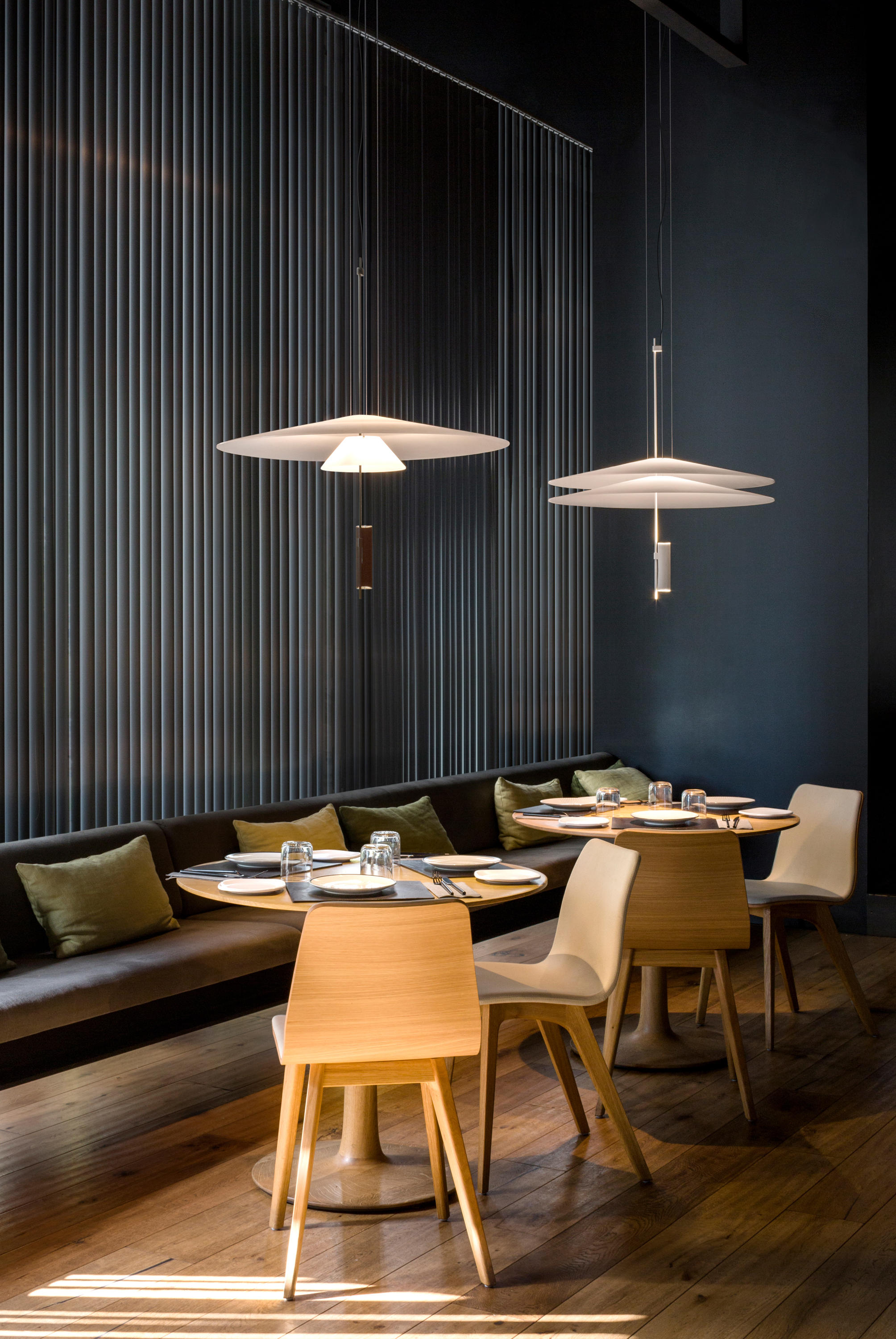 Flamingo pendant lamp general lighting from vibia for Interiores de restaurantes