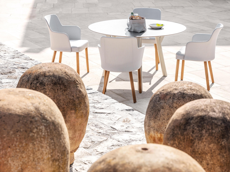 Link tavolo tavoli da pranzo da giardino varaschin for Produttori tavoli allungabili