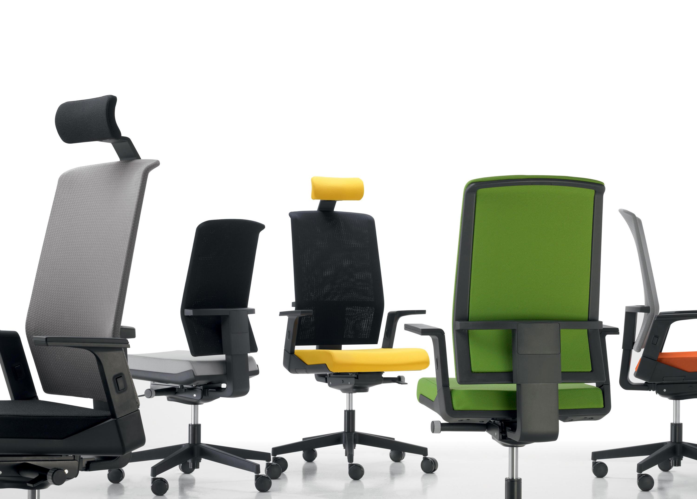 Tela chaises cadres de sokoa architonic for Sokoa hendaye