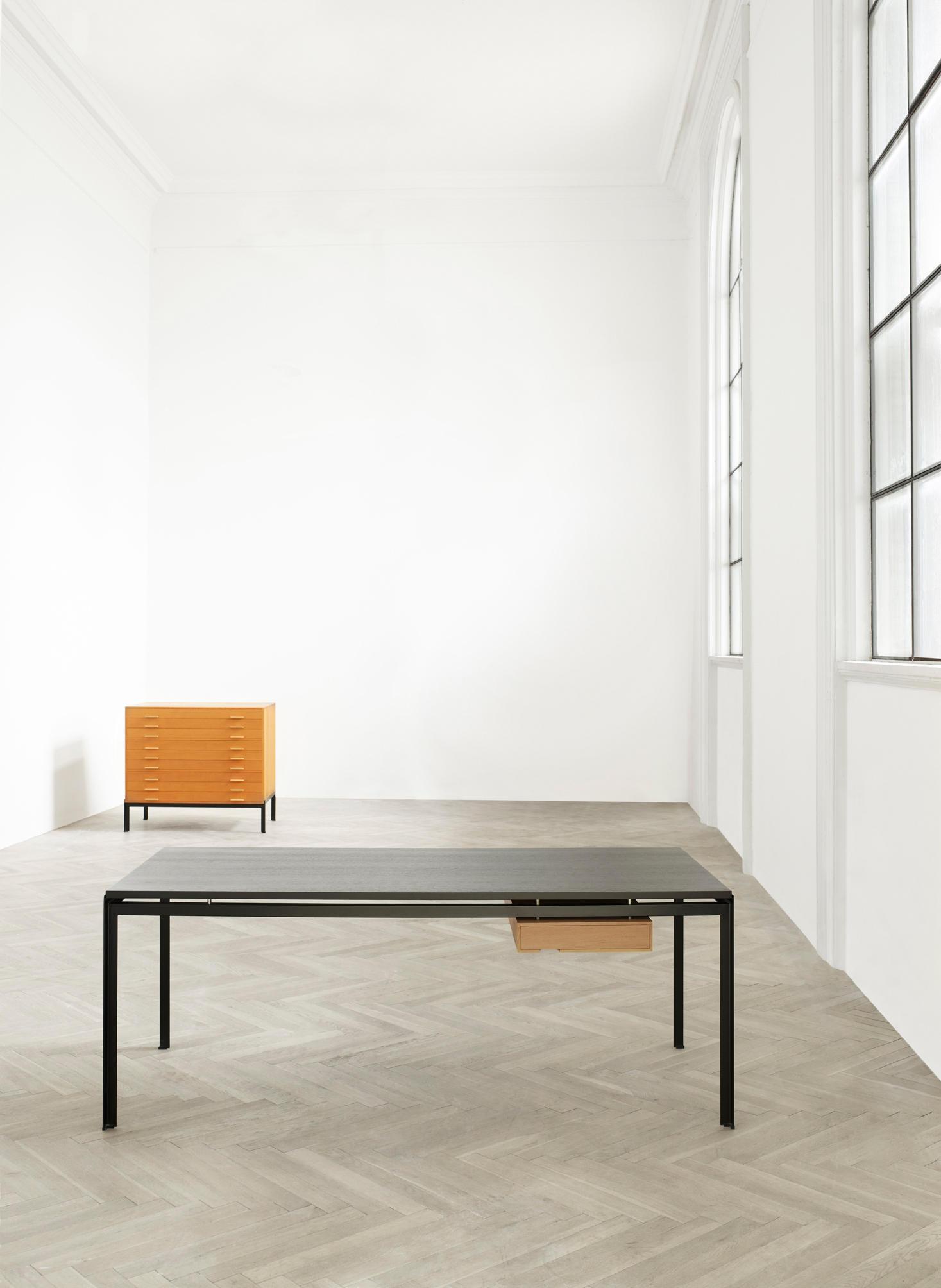 Pk 52 Student Desk By Carl Hansen