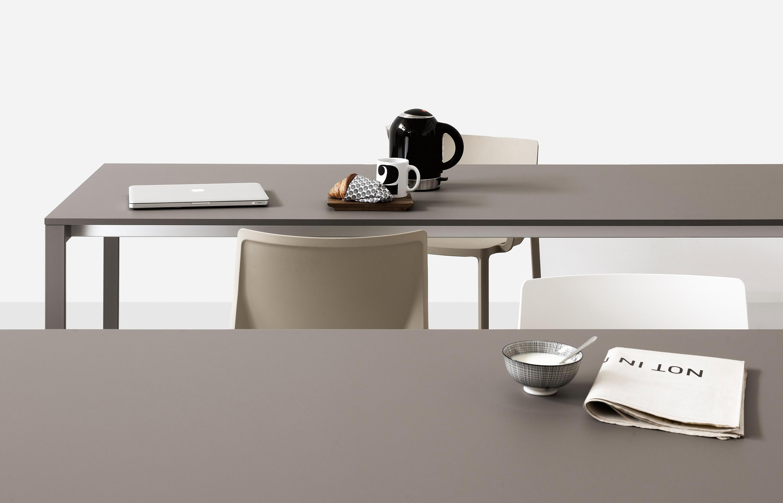 be easy tisch besprechungstische von kristalia architonic. Black Bedroom Furniture Sets. Home Design Ideas
