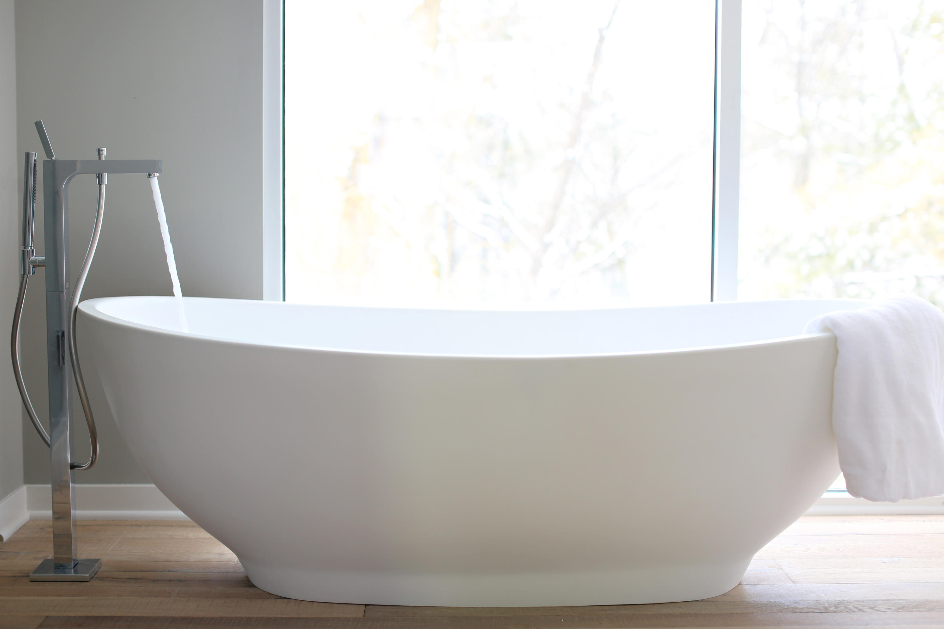 SLIPPER BATHTUB - Free-standing baths from Tyrrell and Laing ...