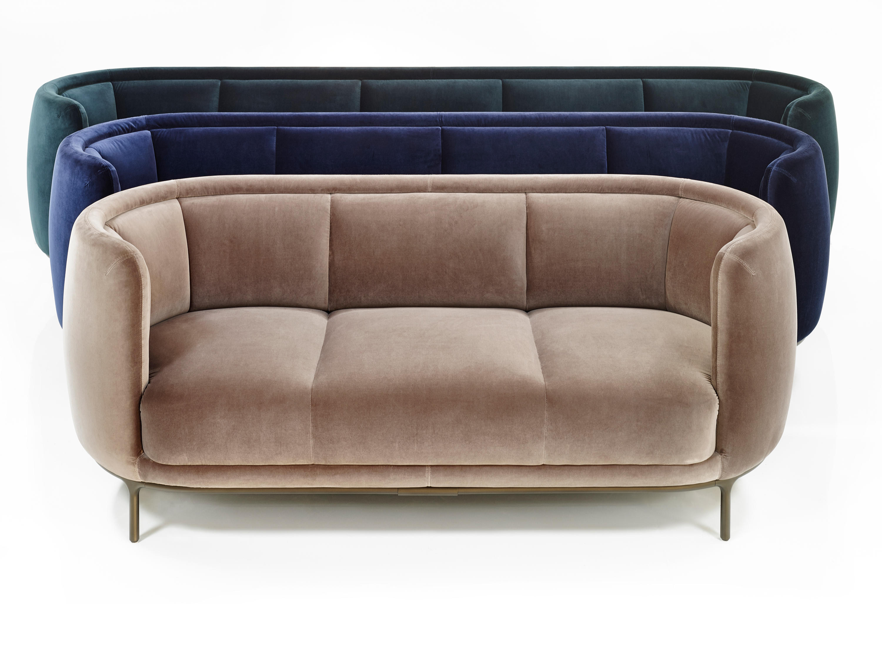 Vuelta 72 lounge chairs from wittmann architonic for Couch und sofa fürth
