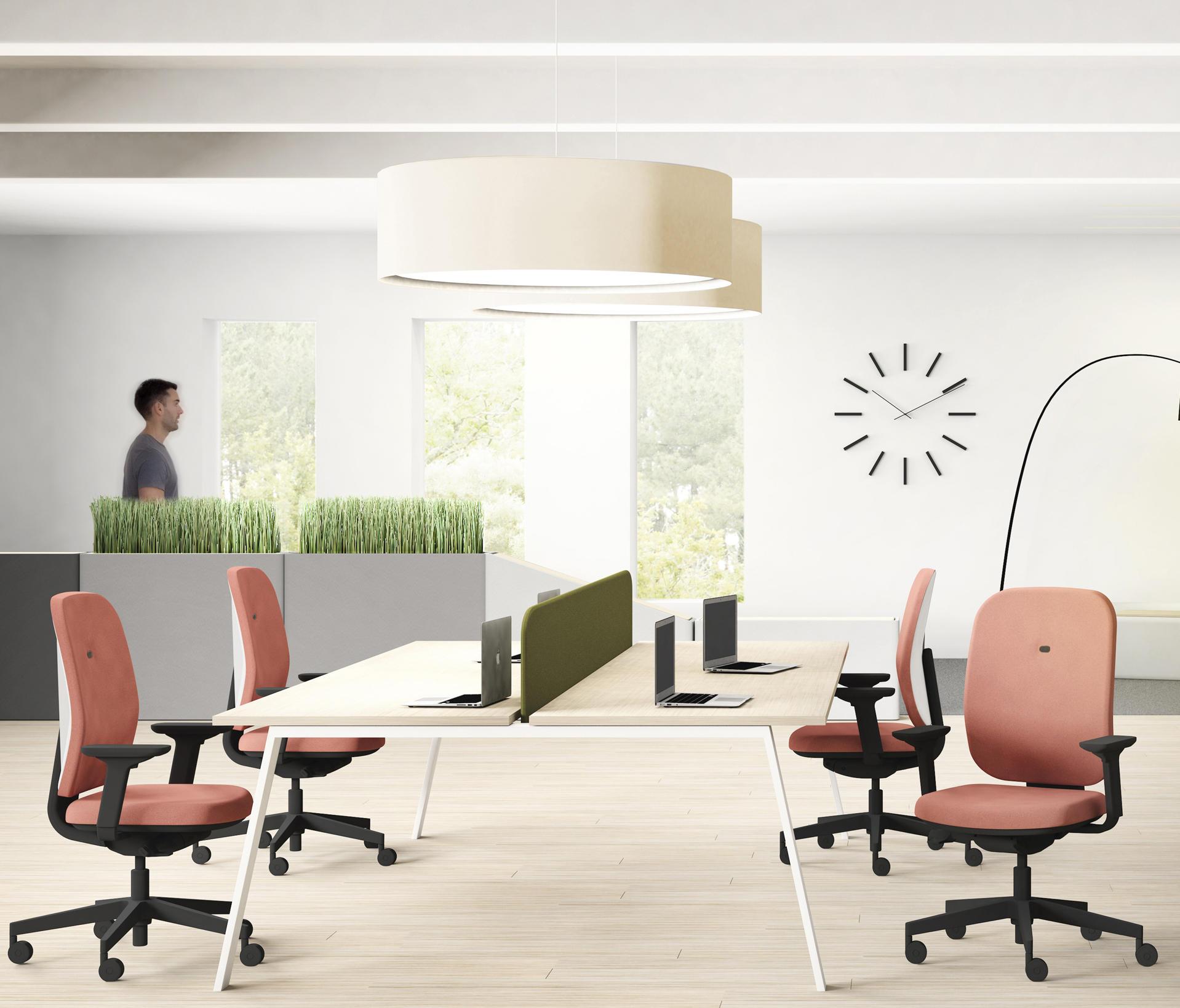 Alaia chaises de travail de sokoa architonic for Sokoa hendaye