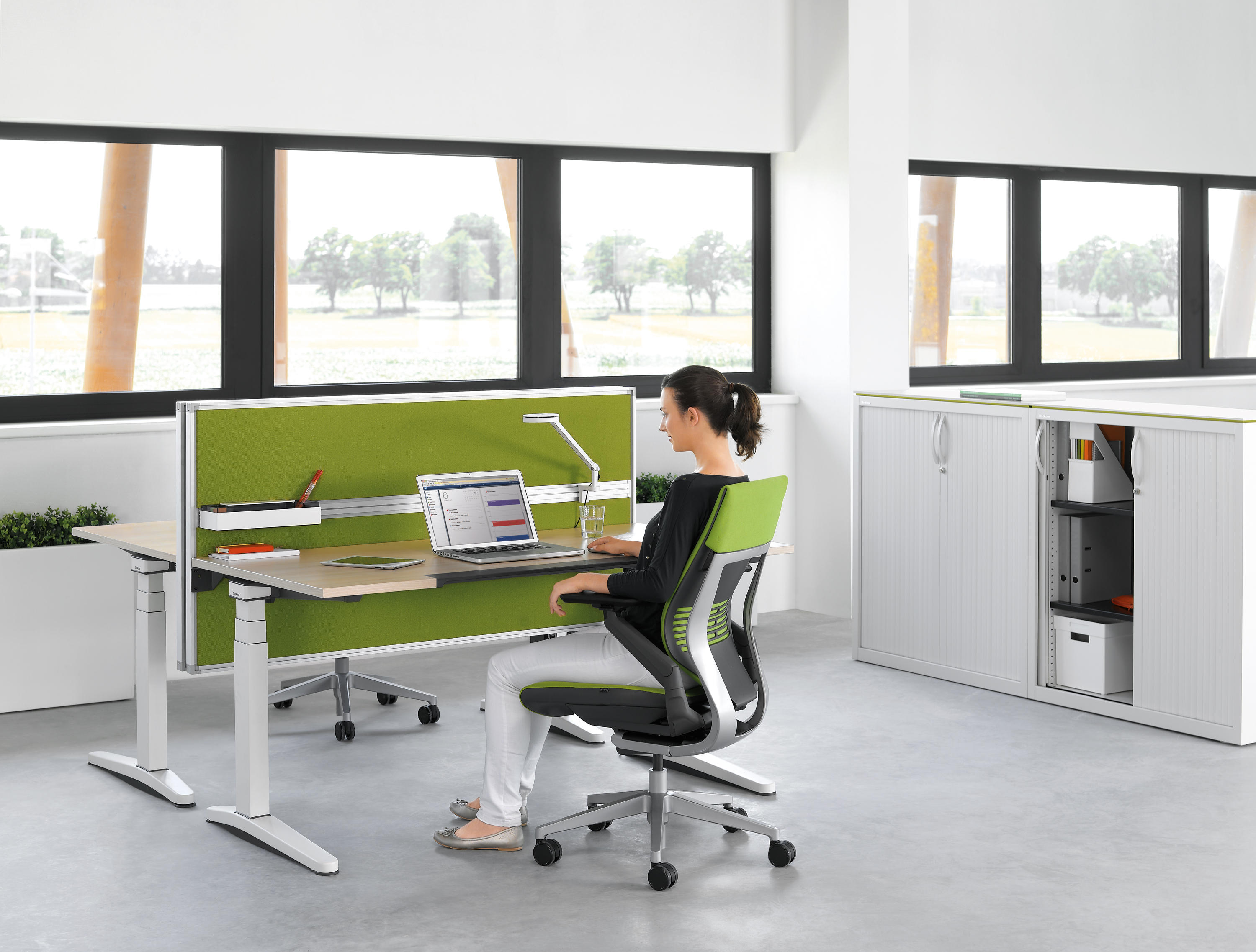 ology contract tables from steelcase architonic. Black Bedroom Furniture Sets. Home Design Ideas