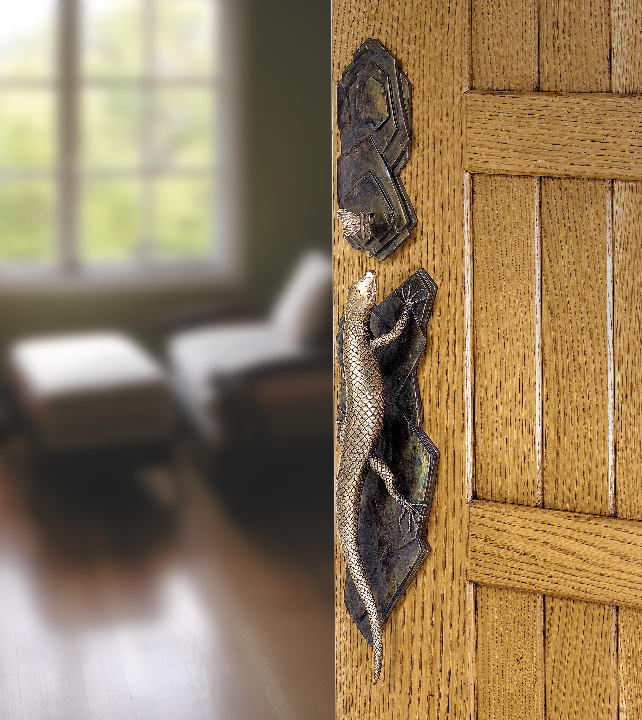 LIZARD - ENTRY HANDLE WITH LATCH - Pull handles from Martin Pierce ...