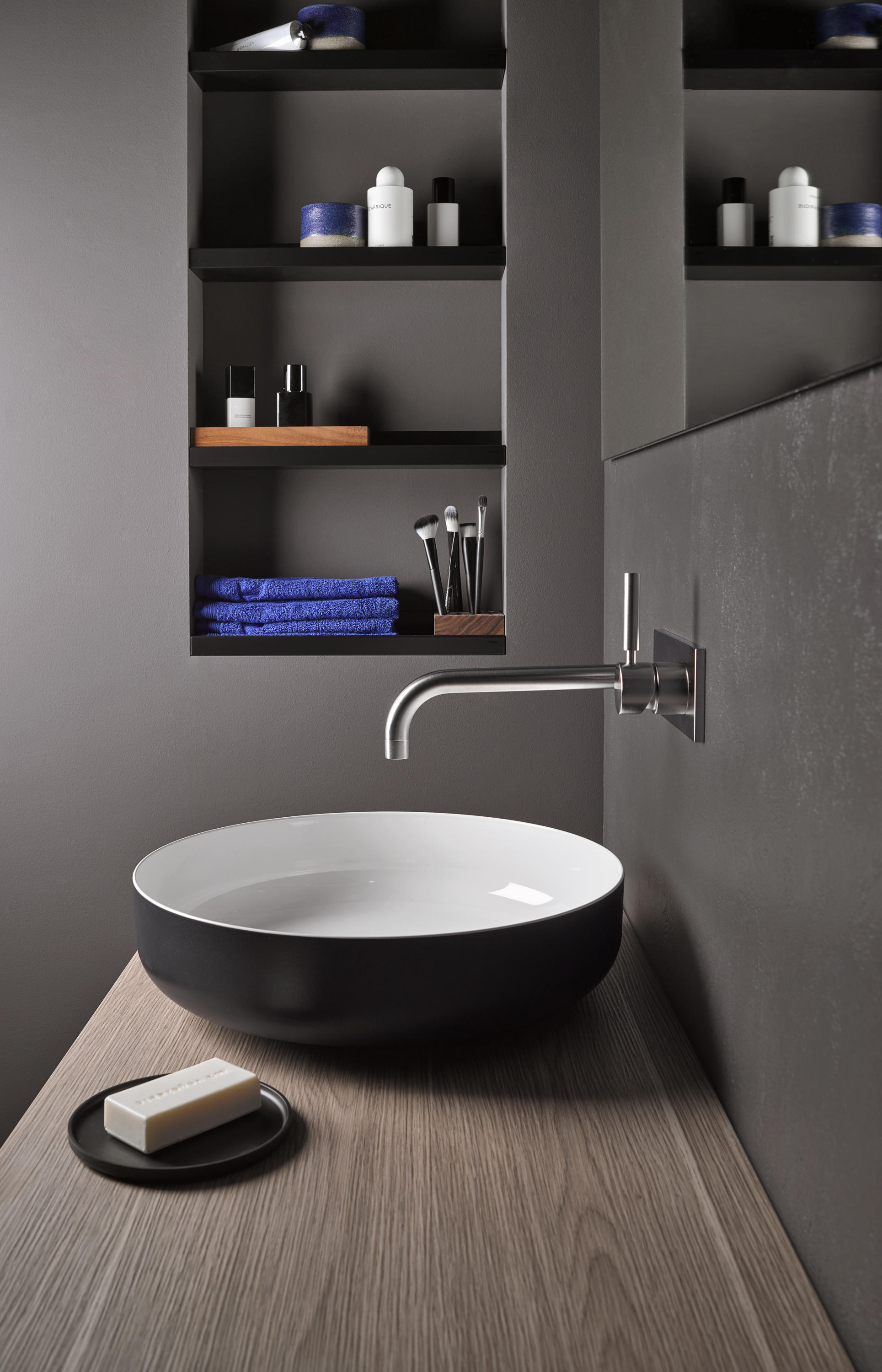 ASSIST | SHELF SYSTEM (AS400) - Towel rails from Alape | Architonic