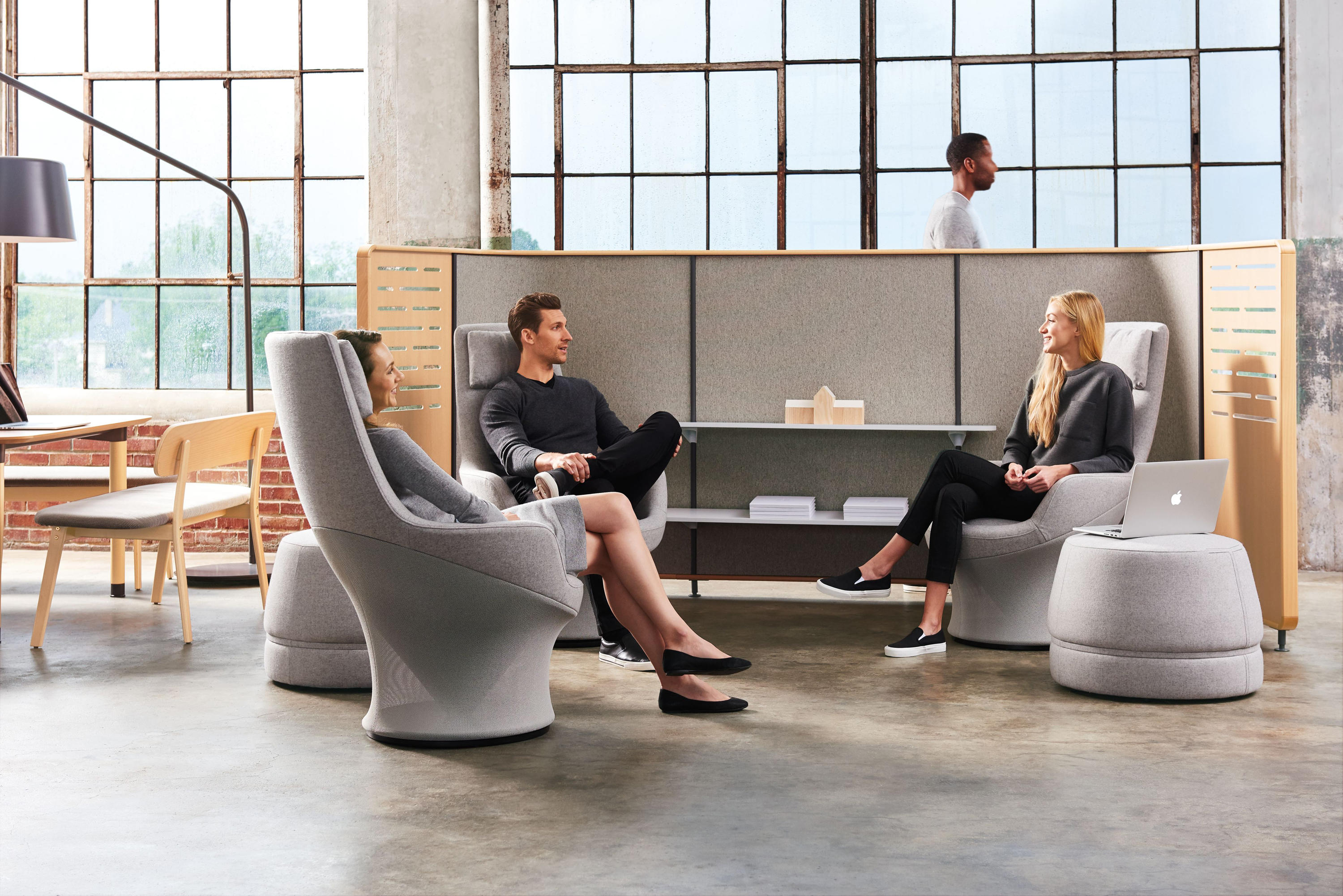Superb Zones Solo Lounge Chair Architonic Caraccident5 Cool Chair Designs And Ideas Caraccident5Info