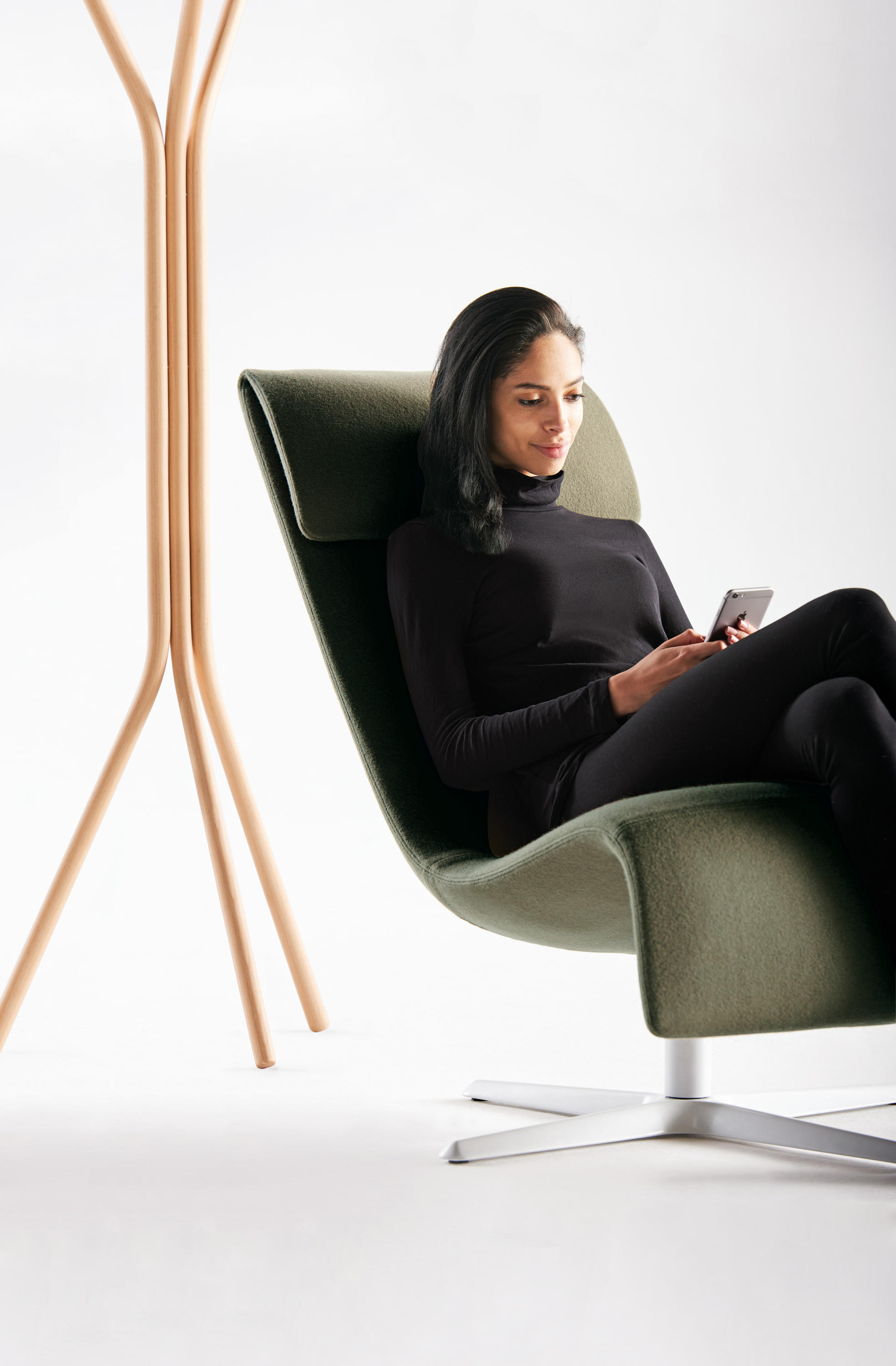 Marvelous Zones Solo Lounge Chair Architonic Caraccident5 Cool Chair Designs And Ideas Caraccident5Info